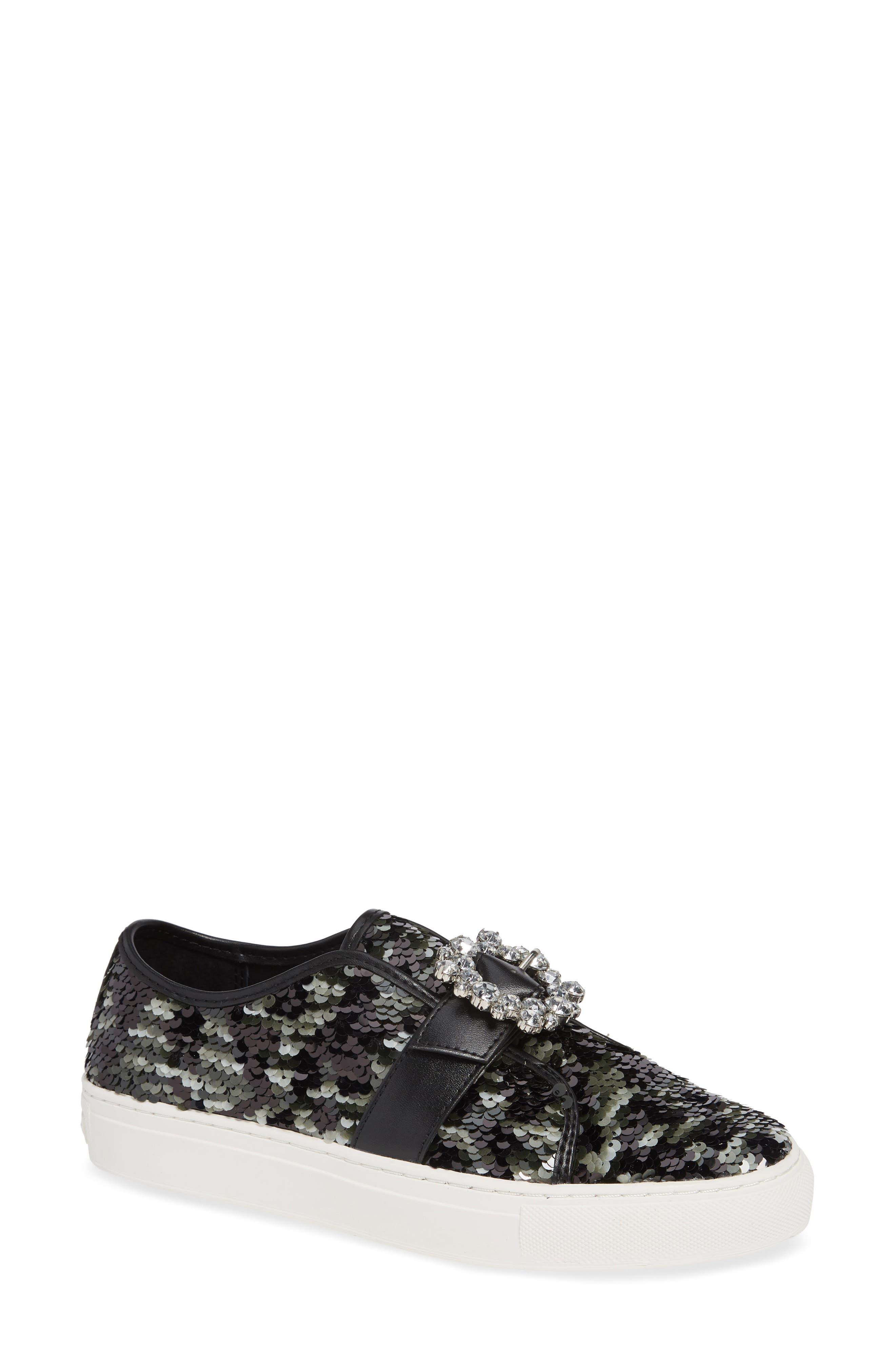 Platform Sneaker in Black