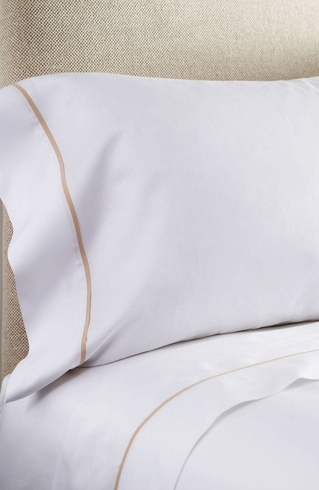 Westin Heavenly Bed<sup>®</sup> 300 Thread Count Egyptian Cotton Luxe Pillowcase,                             Main thumbnail 1, color,                             WHI