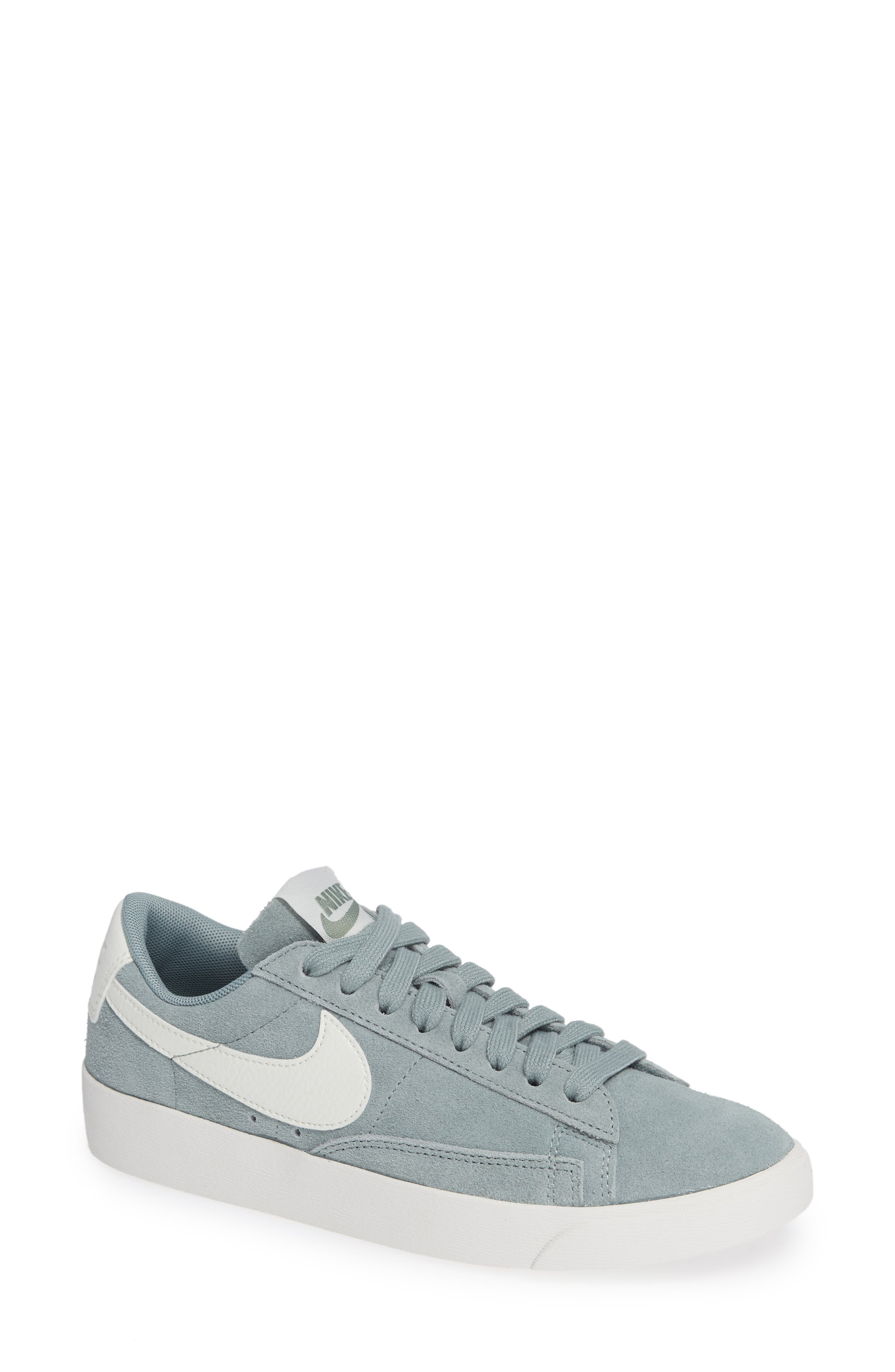 Blazer Low Top Sneaker Sd in Mica Green/ Sail