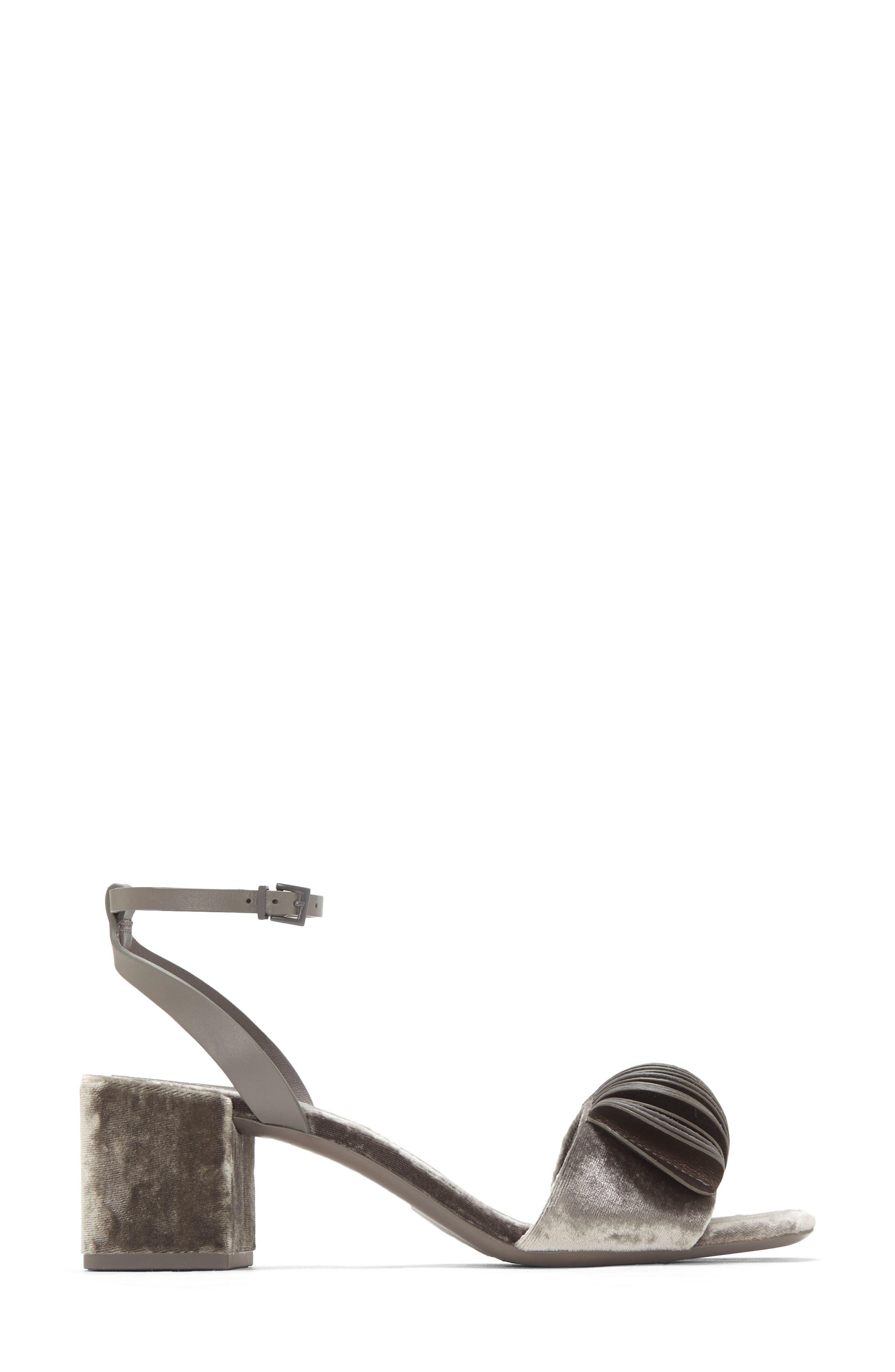 Riza Block Heel Sandal,                             Alternate thumbnail 9, color,