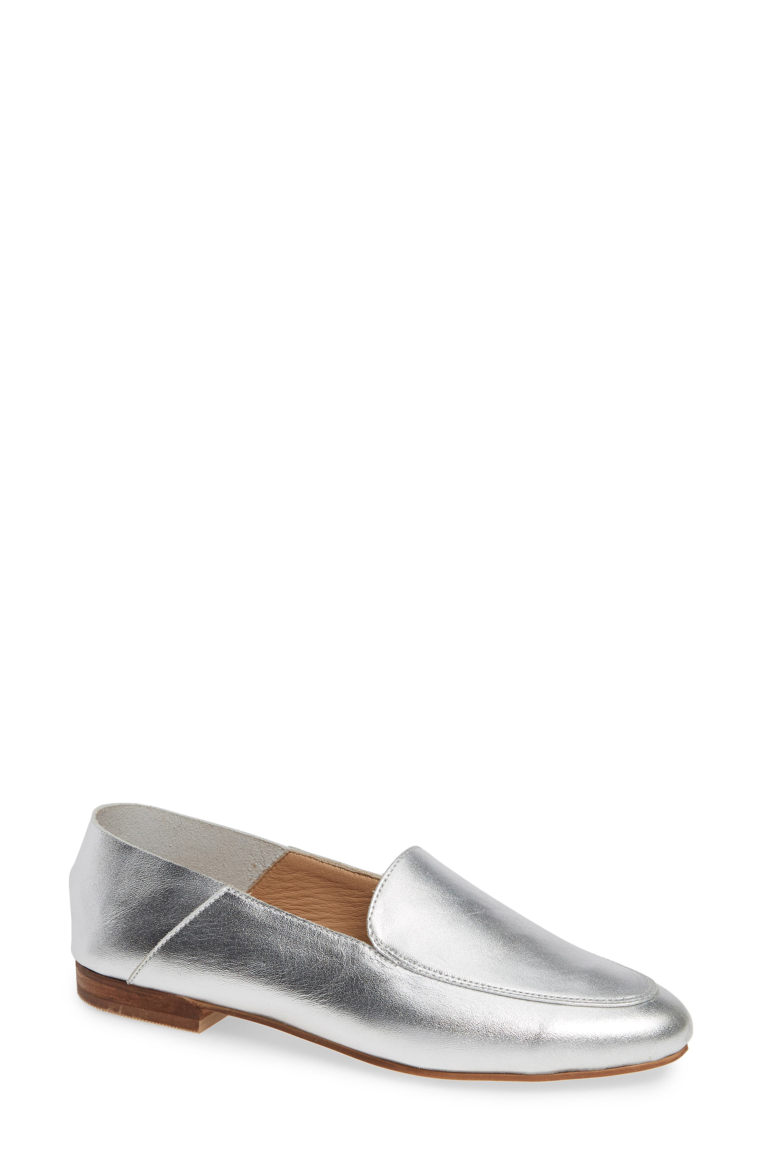 KAANAS Pisa Loafer in Silver Leather