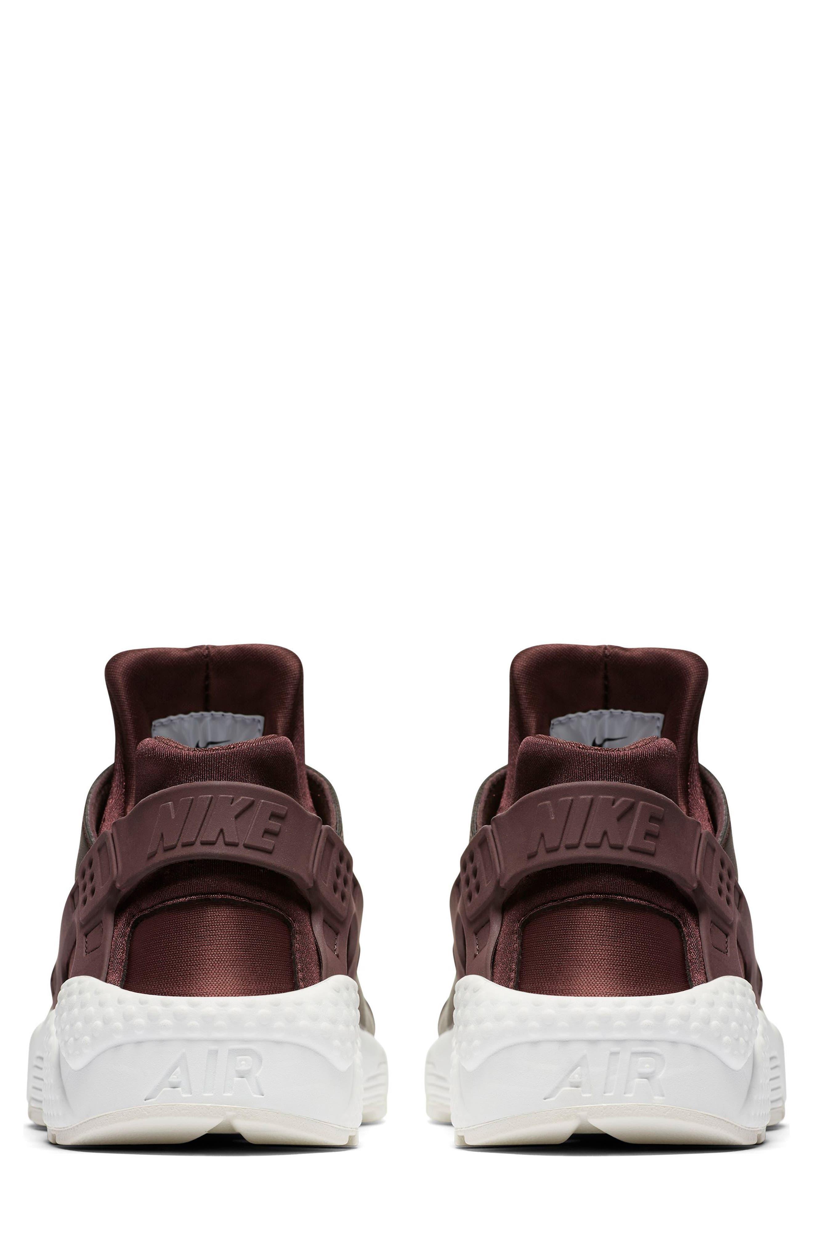 Air Huarache Run Premium Sneaker,                             Alternate thumbnail 4, color,