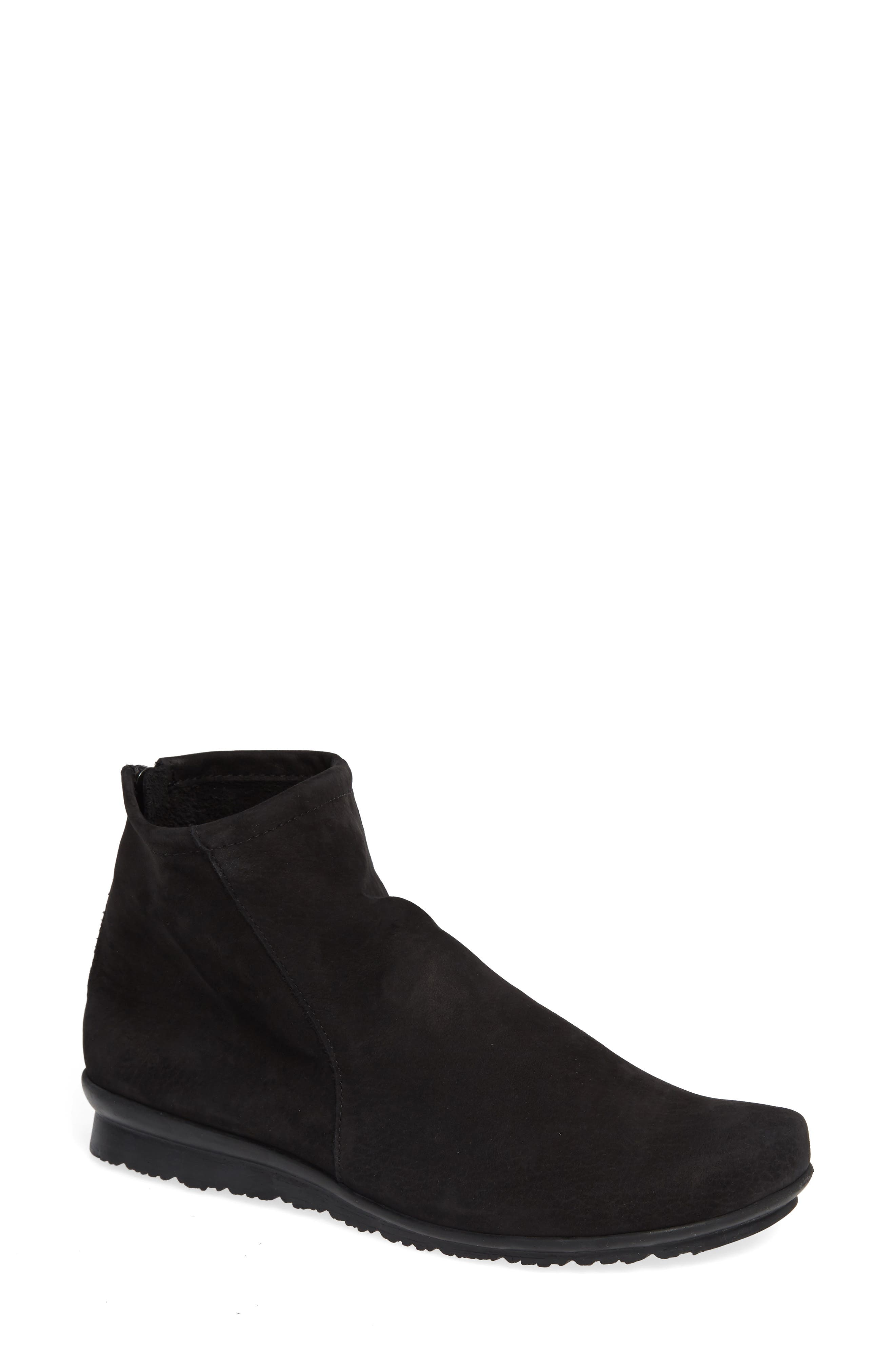 ARCHE 'Baryky' Boot in Black Nubuck