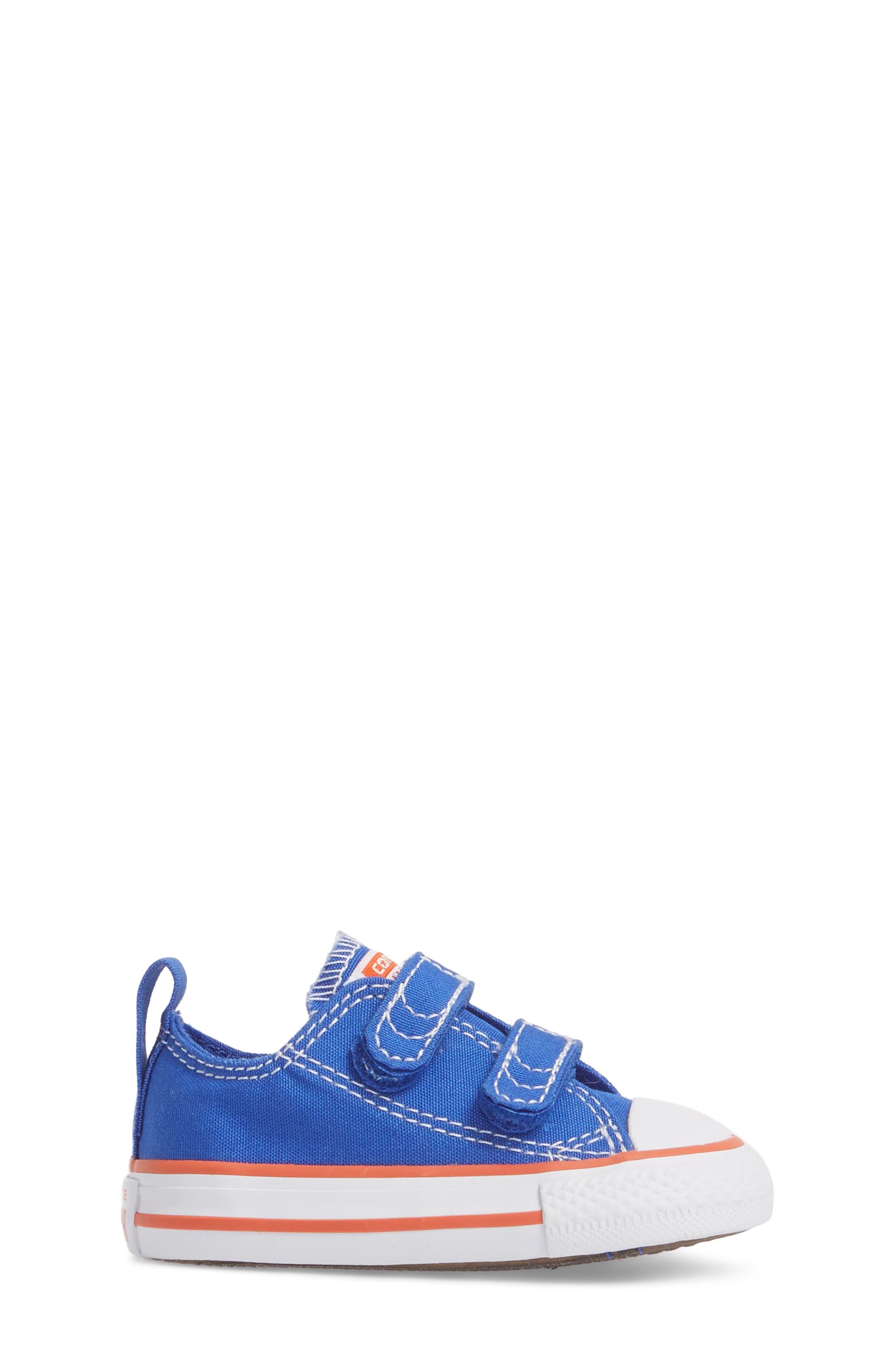 Chuck Taylor<sup>®</sup> All Star<sup>®</sup> Seasonal 2V Low Top Sneaker,                             Alternate thumbnail 3, color,                             483