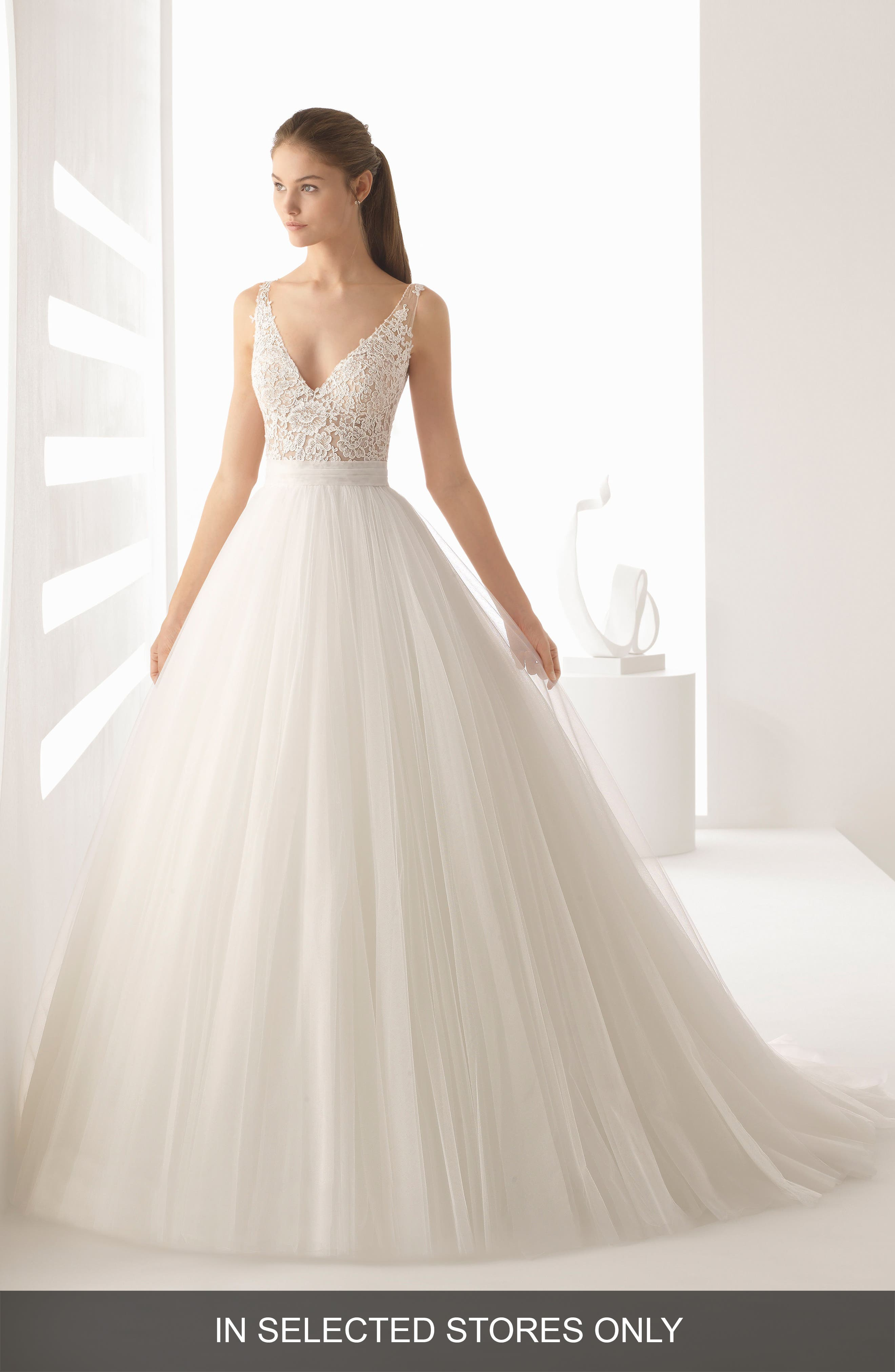 Rosa Clará Alejo V-Neck Lace & Tulle Ballgown,                         Main,                         color, NATURAL/NUDE