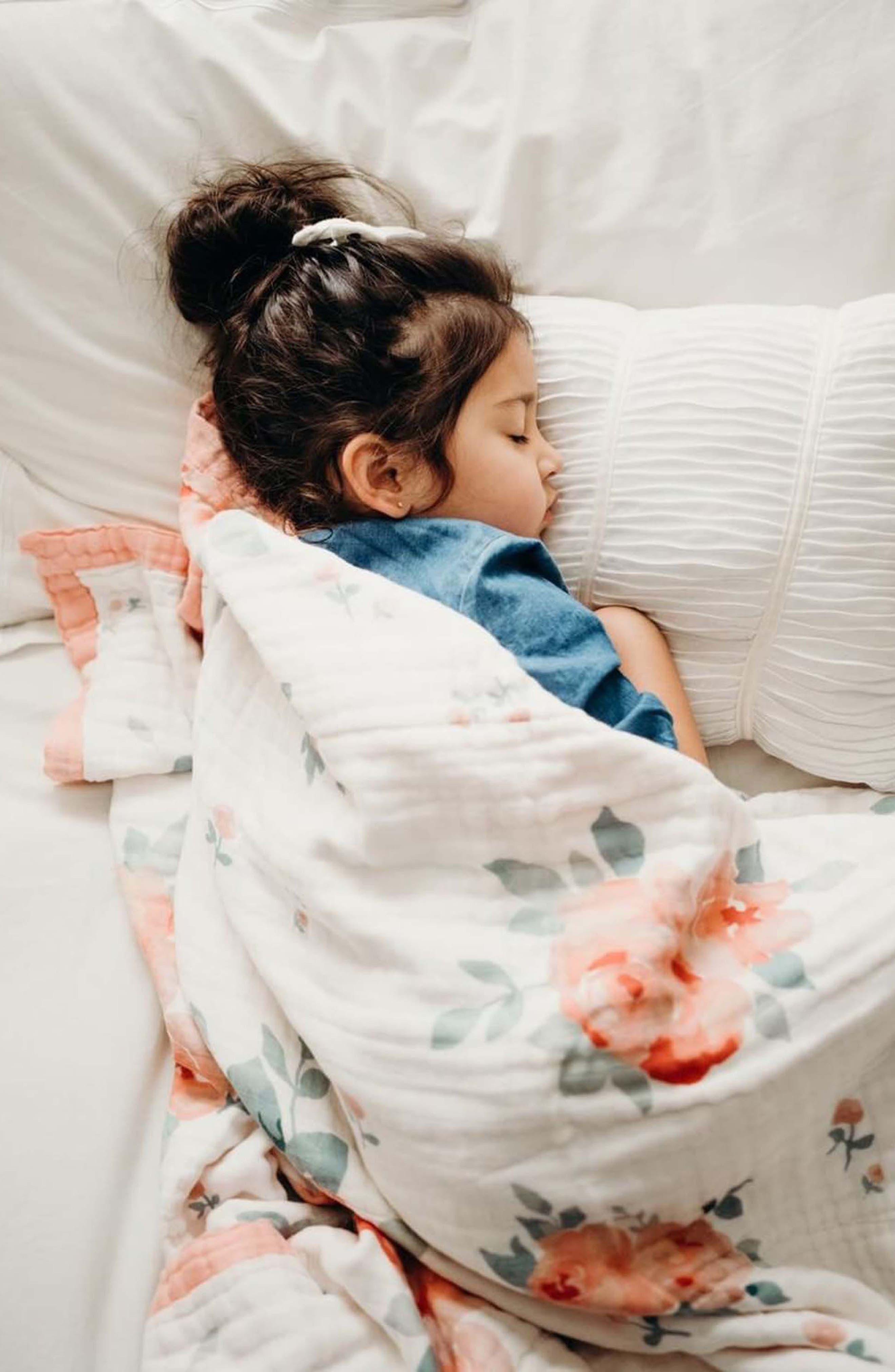 BÉBÉ AU LAIT,                             Oh So Soft Super Snuggle Blanket,                             Alternate thumbnail 3, color,                             ROSY/ DEWDROPS