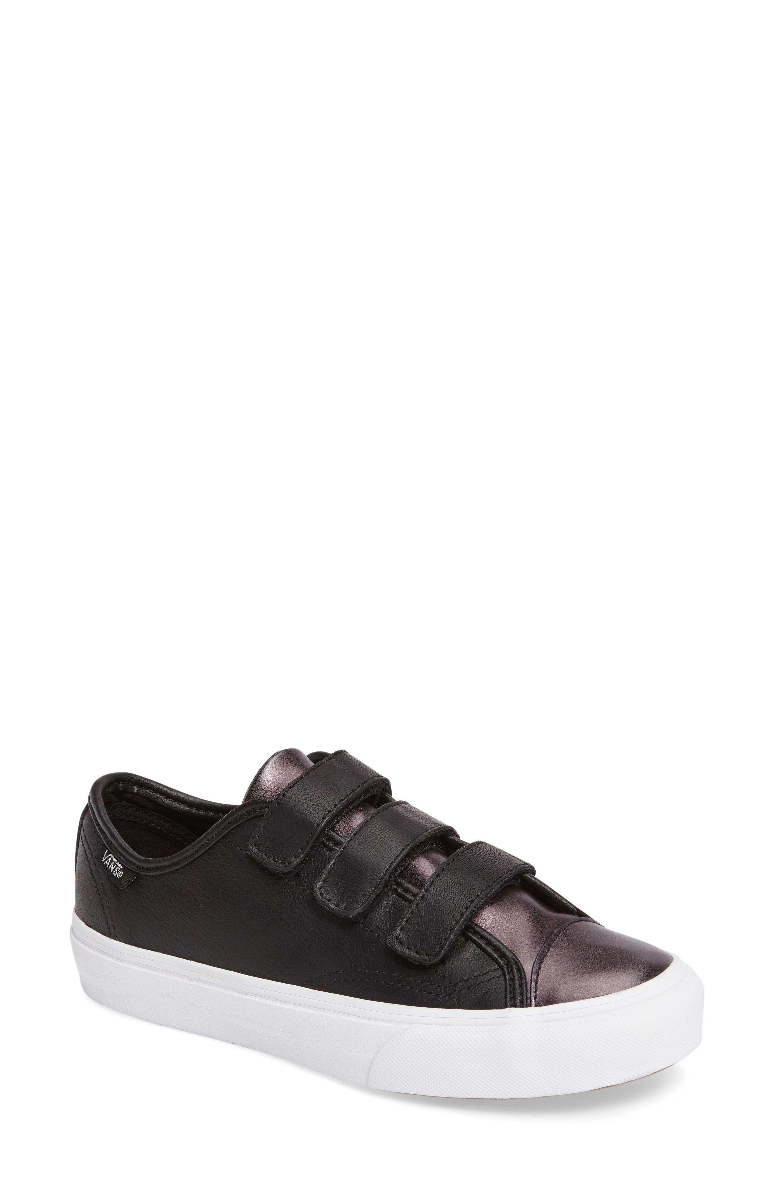 Style 23 V Sneaker,                             Main thumbnail 4, color,