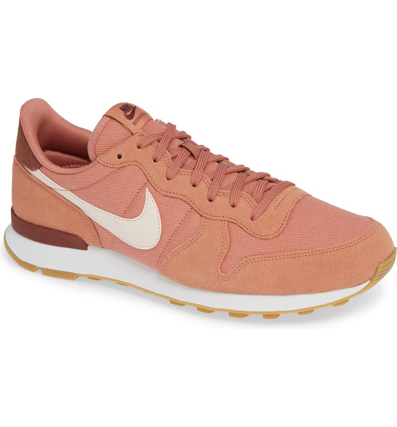 nike internationalist women size 4
