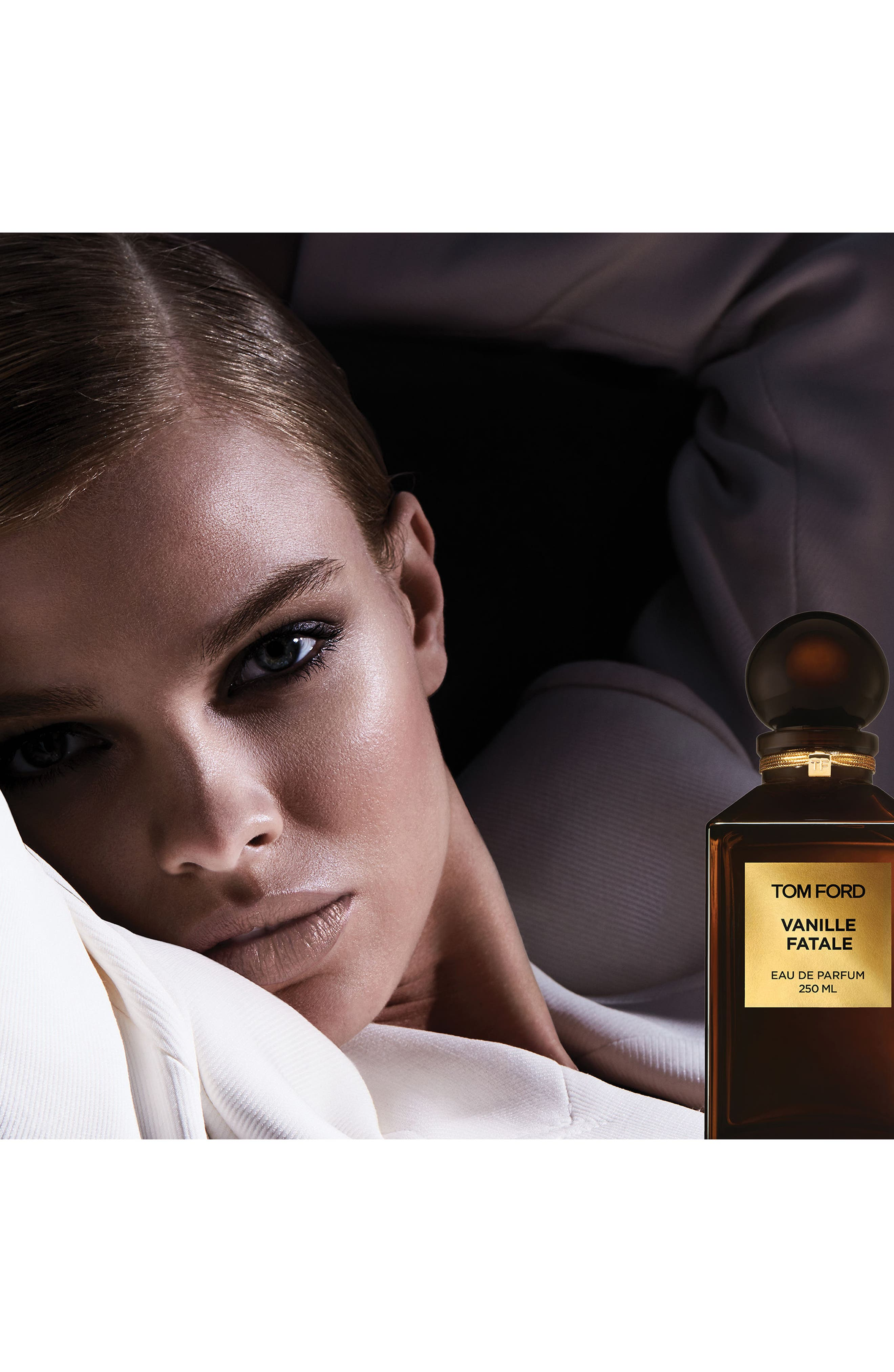 Private Blend Vanille Fatale Eau de Parfum Decanter,                             Alternate thumbnail 3, color,                             000