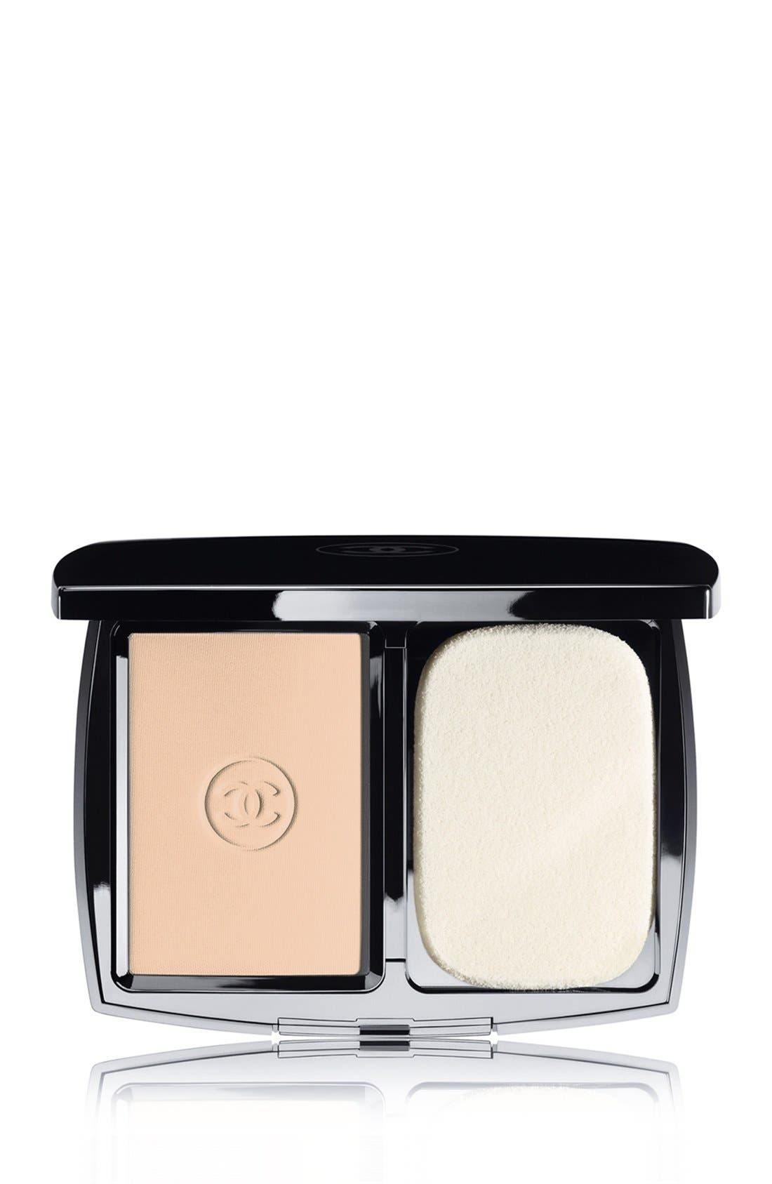 DOUBLE PERFECTION LUMIÈRE<br />Long-Wear Flawless Sunscreen Powder Makeup Broad Spectrum SPF 15,                             Main thumbnail 4, color,