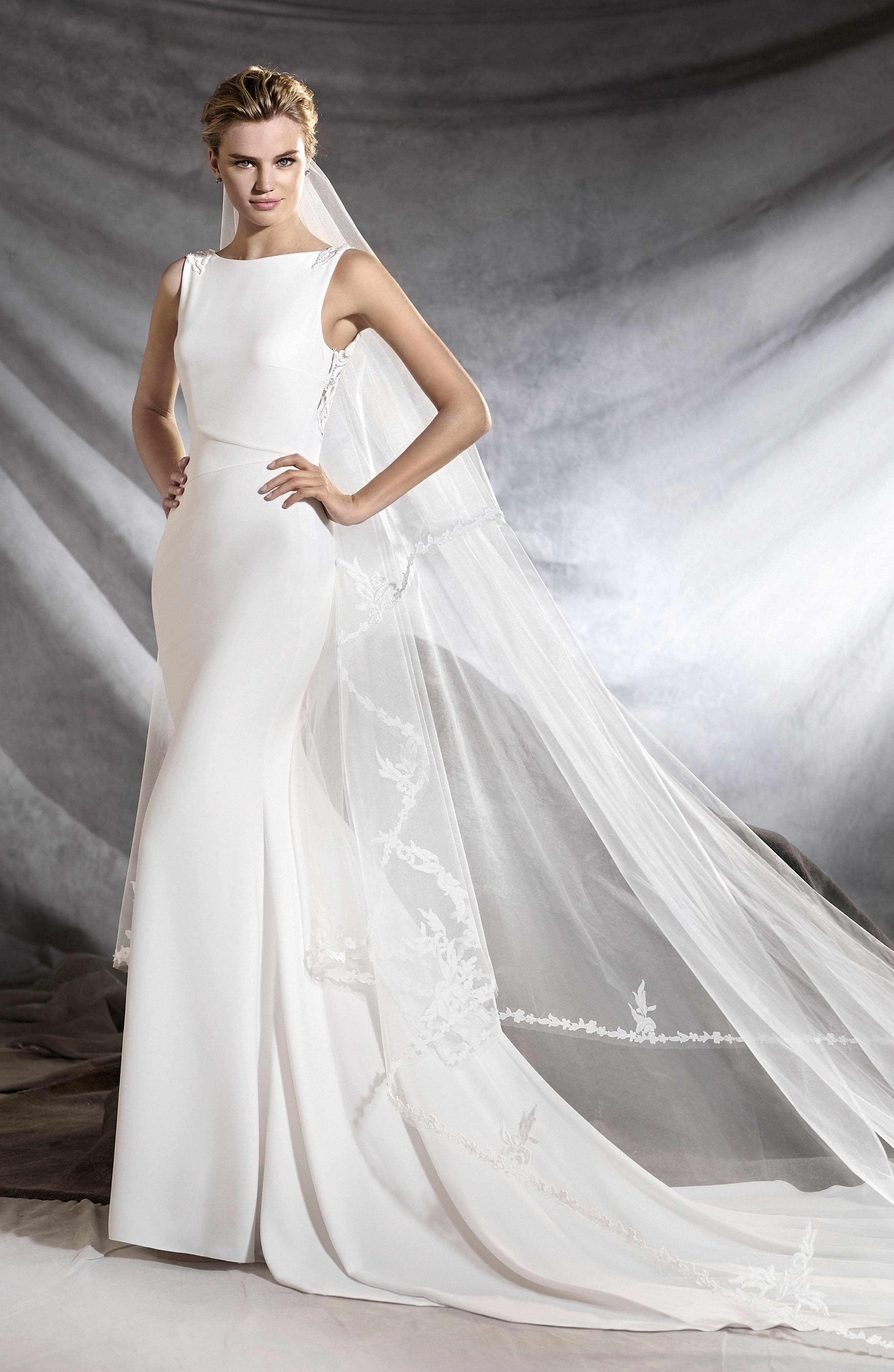 Oliana Embroidered Crepe Mermaid Gown,                             Alternate thumbnail 2, color,                             901