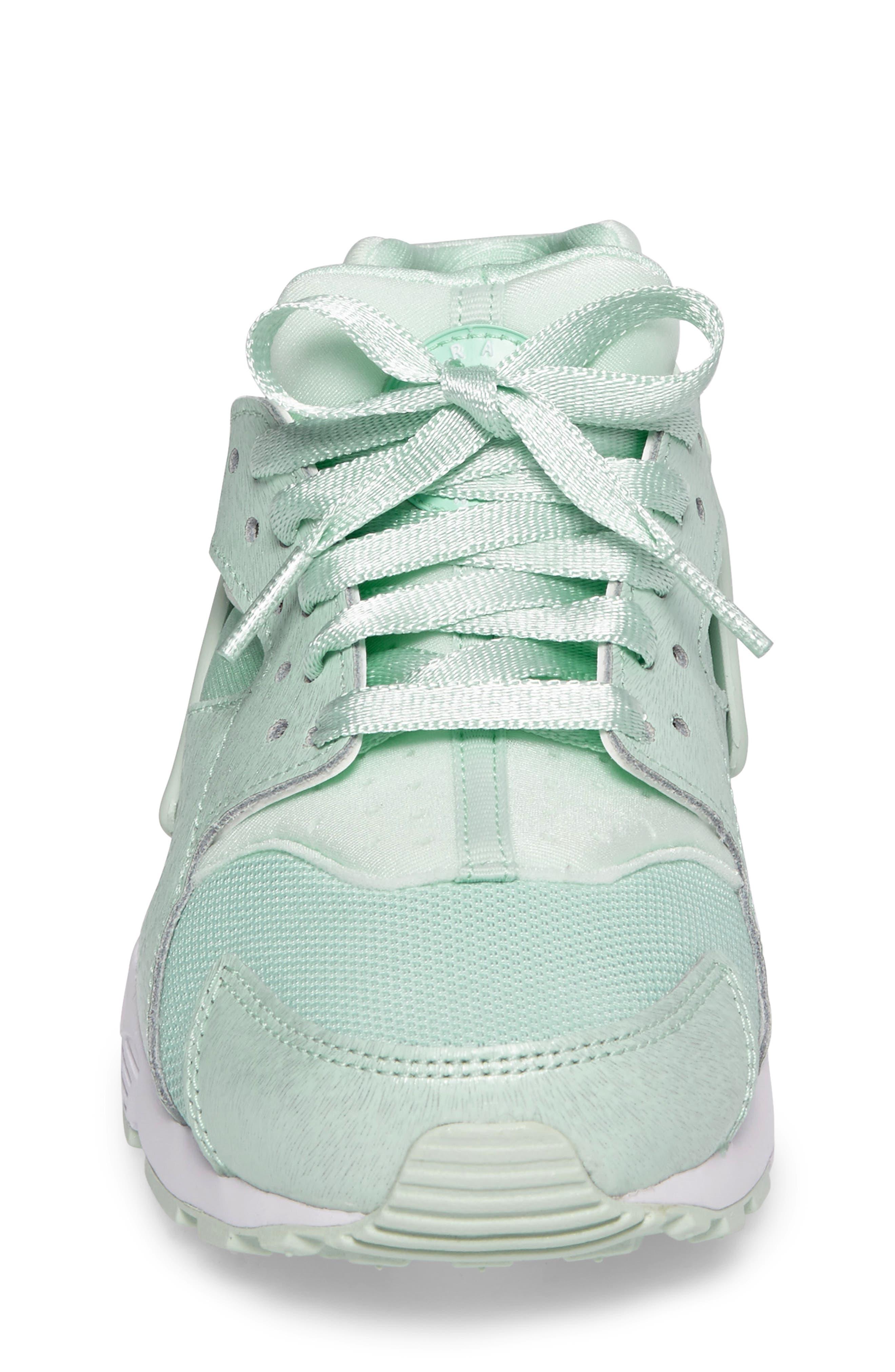 Huarache Run SE Sneaker,                             Alternate thumbnail 24, color,