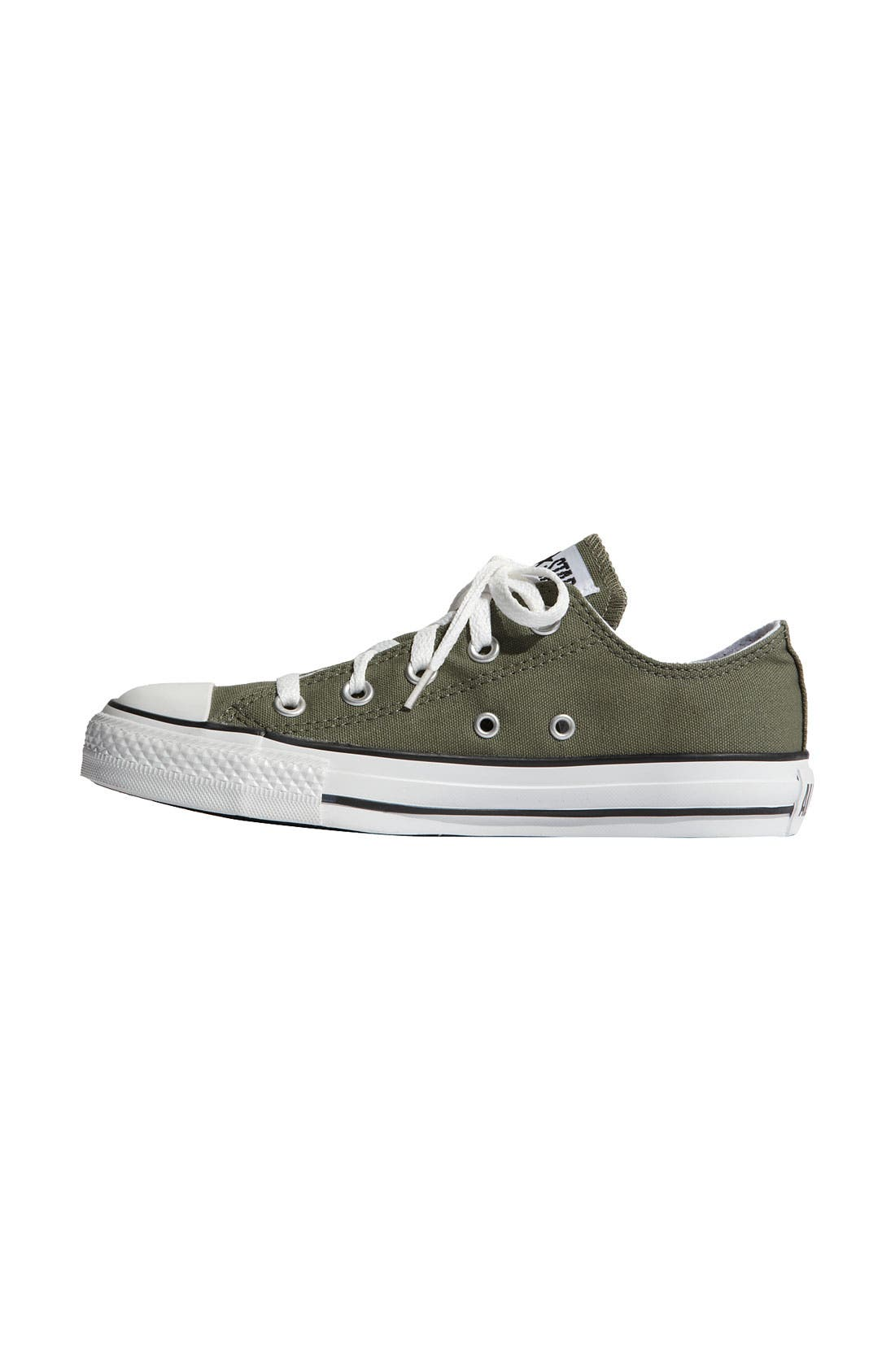 Chuck Taylor<sup>®</sup> Low Sneaker,                             Alternate thumbnail 110, color,