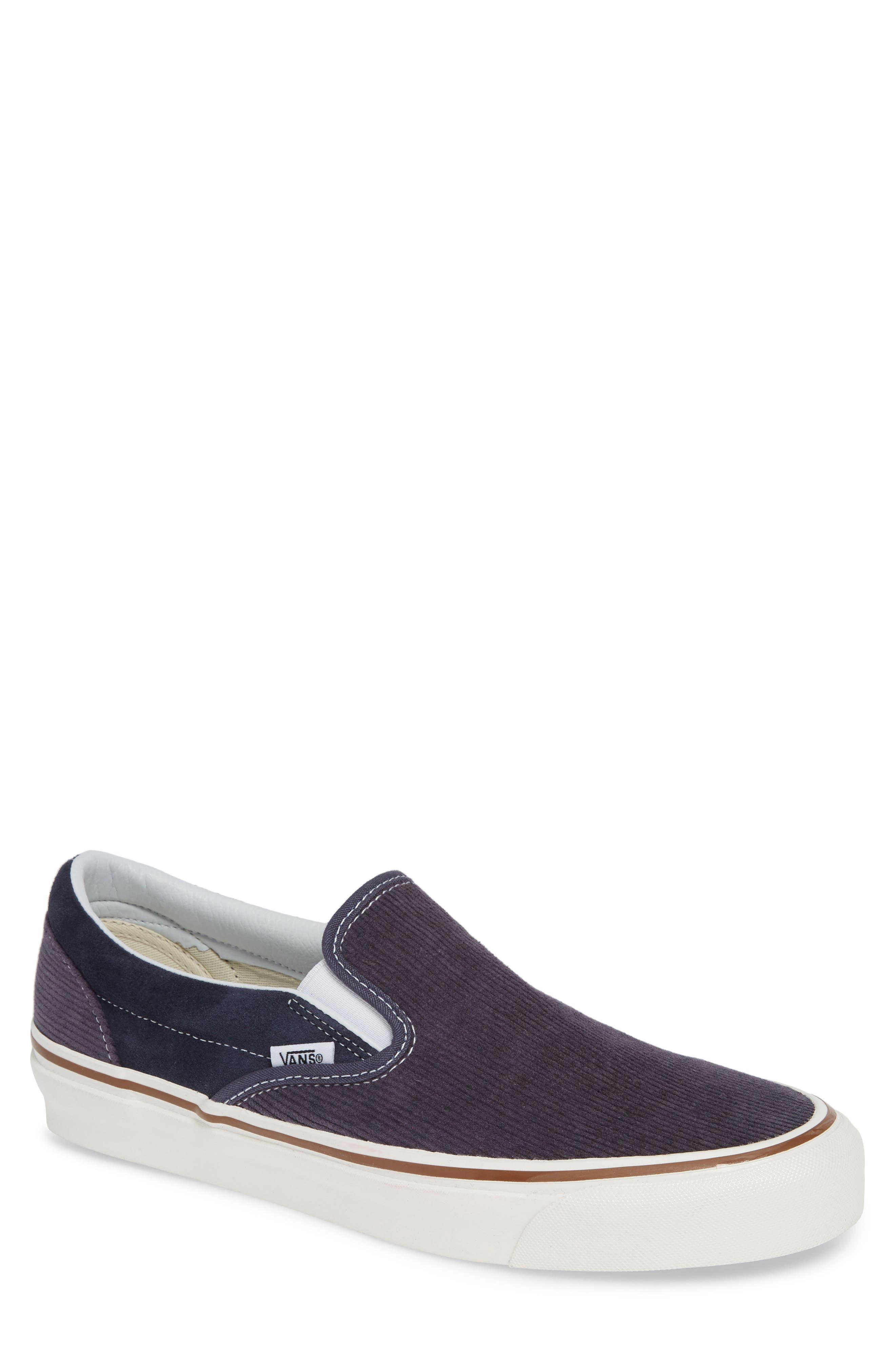 Classic 98 Dx Slip-On Sneaker in Navy/ Corduroy