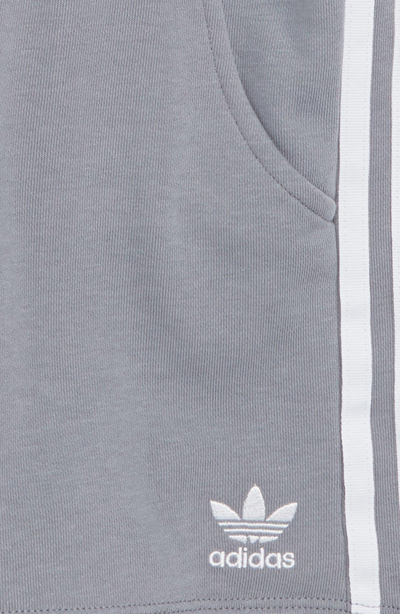 Logo Shorts,                             Alternate thumbnail 2, color,                             020