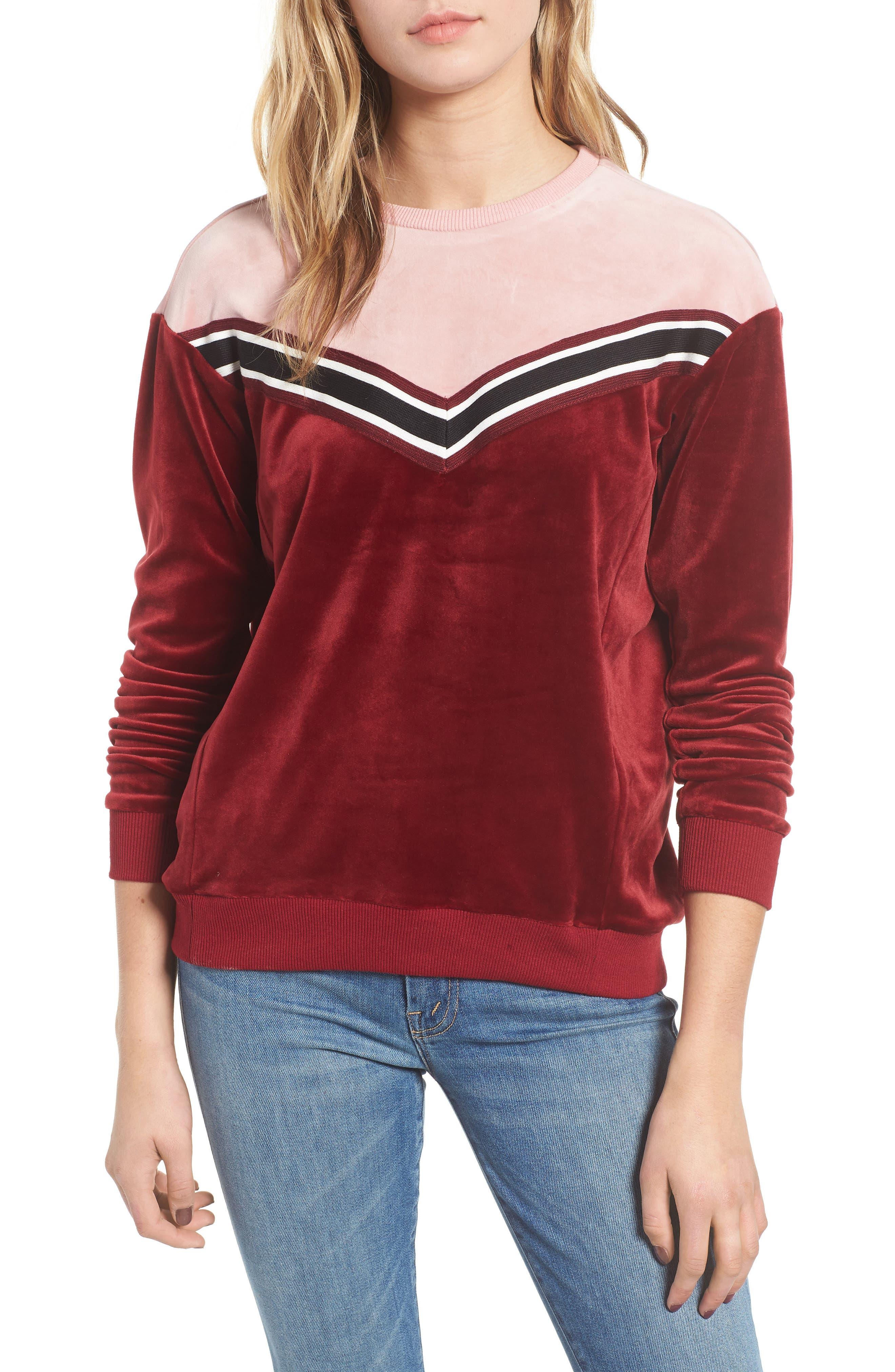 HEARTLOOM Kris Velour Sweatshirt in Merlot