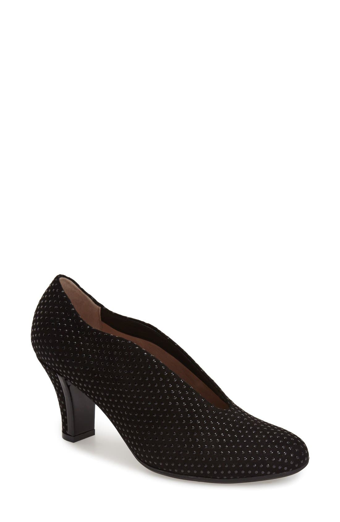 'Calla' Pump,                         Main,                         color, 001