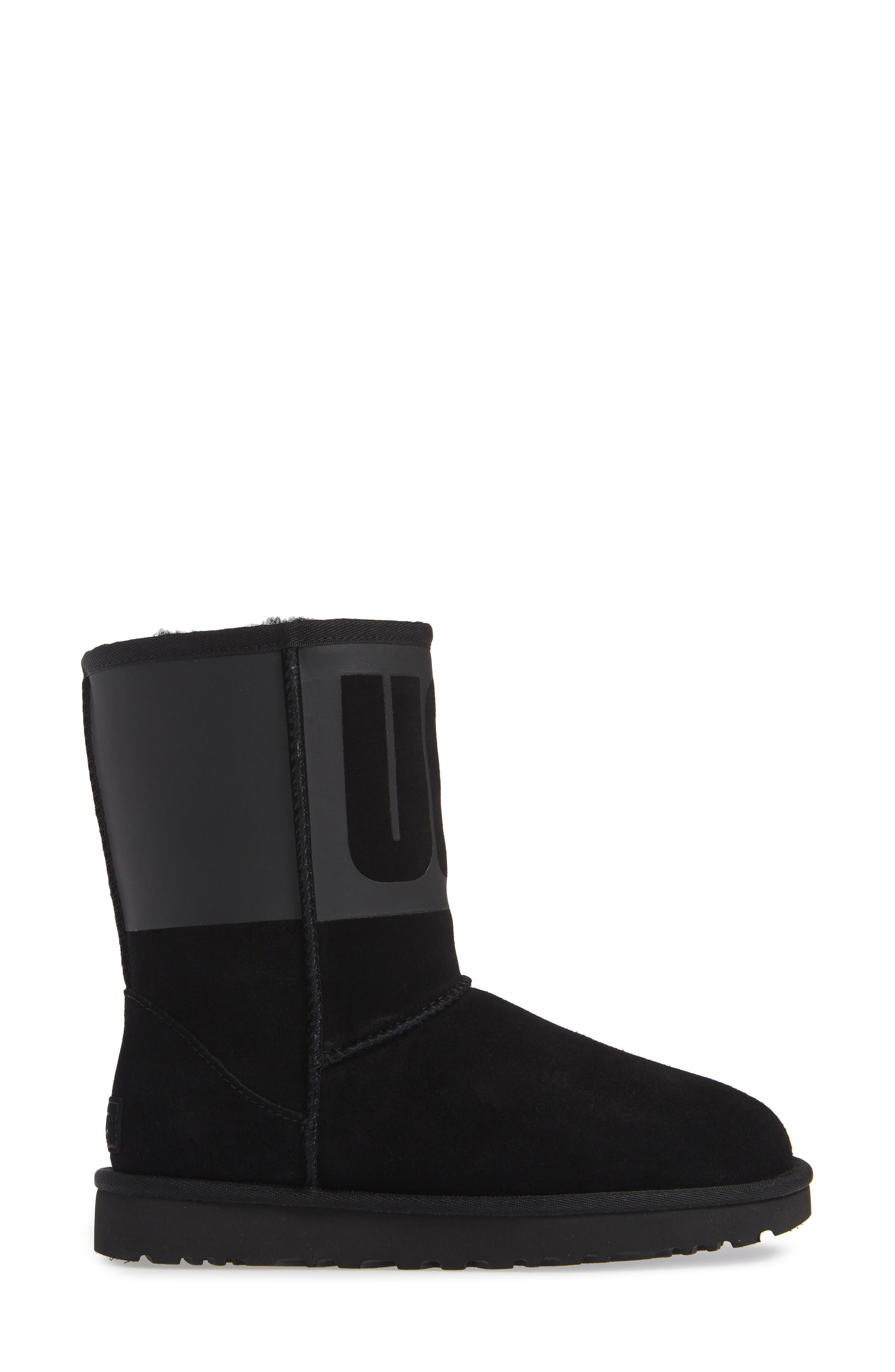 Classic Short Rubber Boot,                             Alternate thumbnail 3, color,                             BLACK
