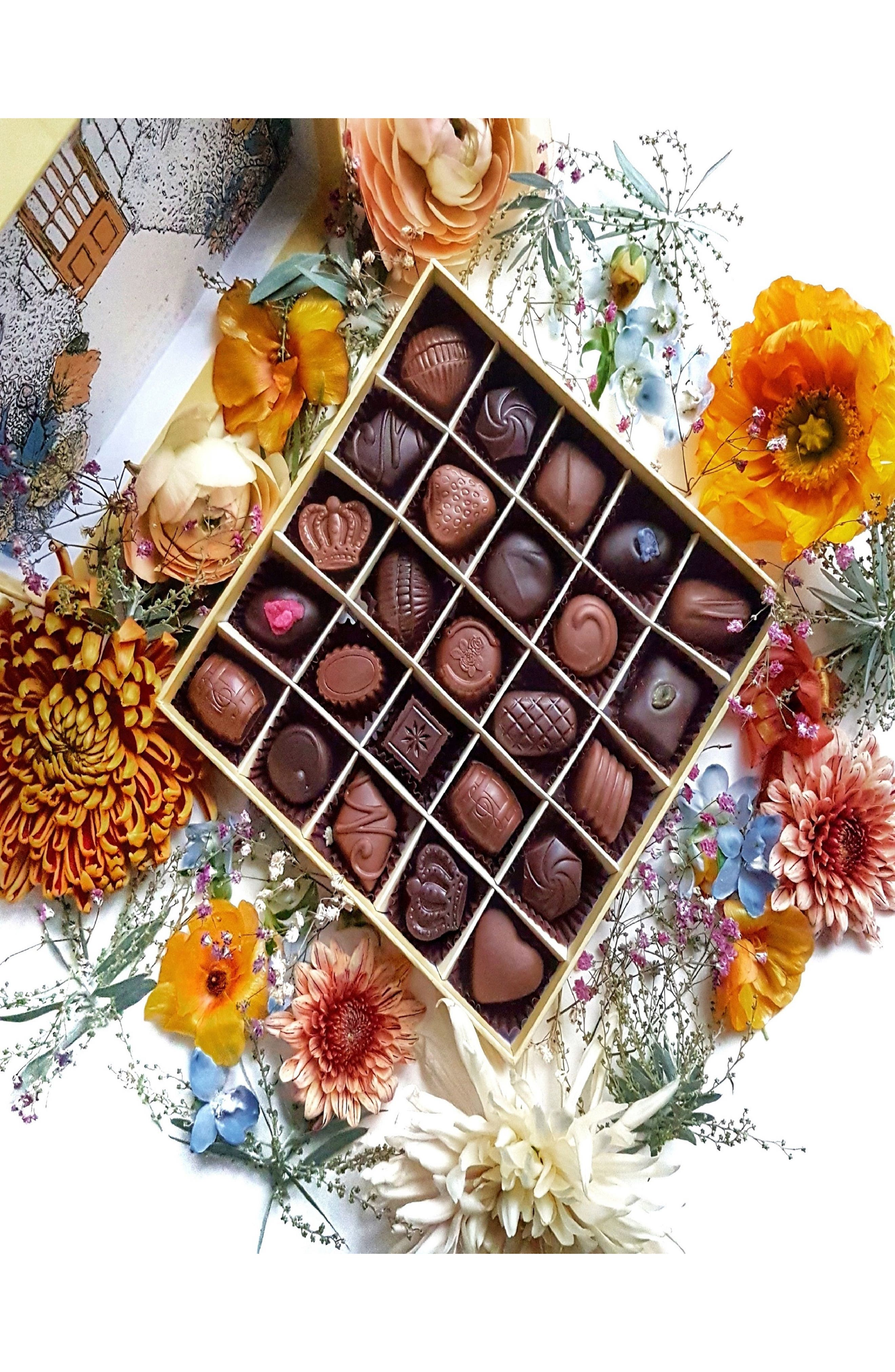 Summer House 25-Piece Chocolate Gift Box,                             Alternate thumbnail 2, color,                             700