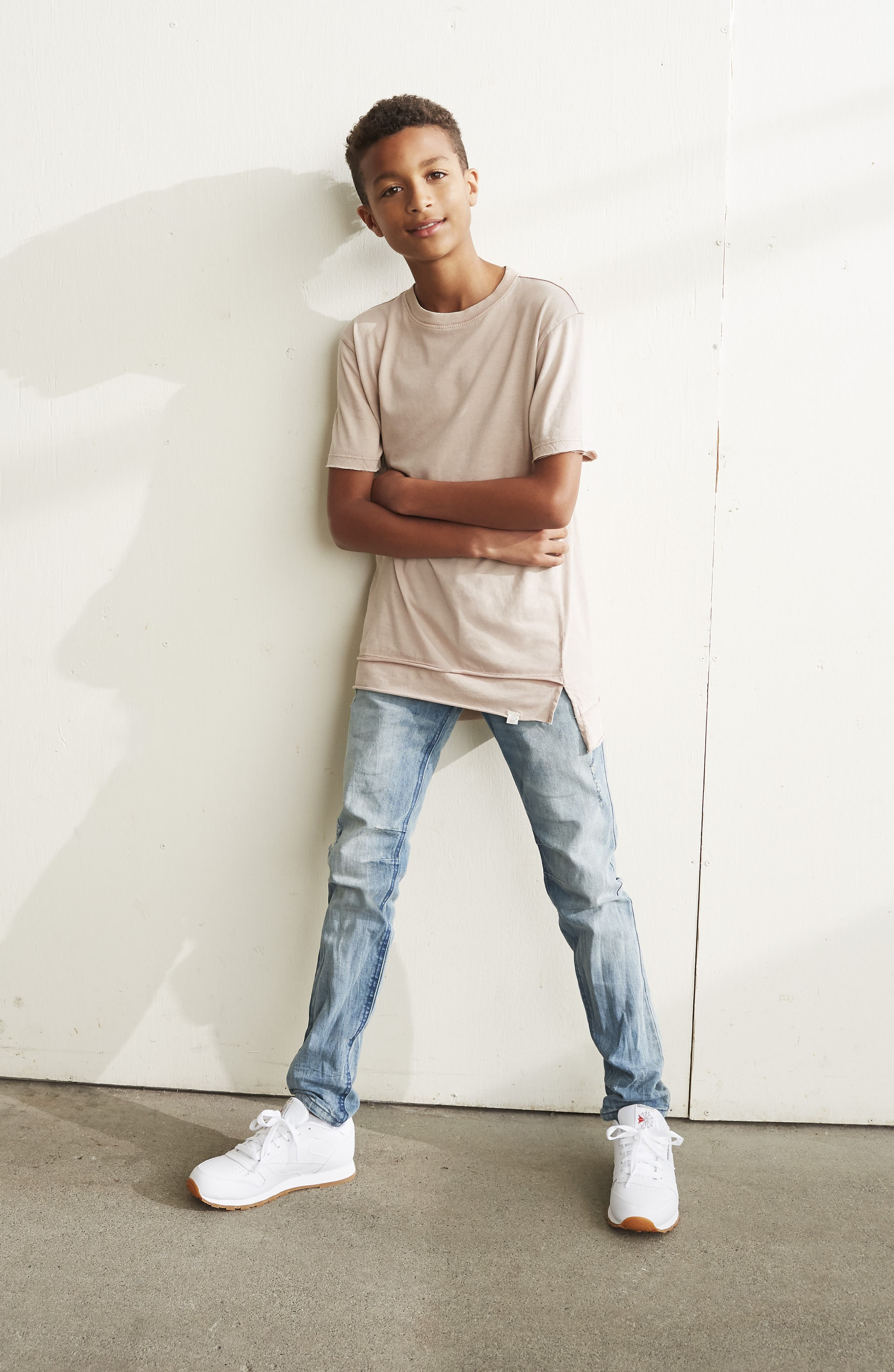 Classic Skinny Jeans,                             Alternate thumbnail 4, color,                             FROST WASH