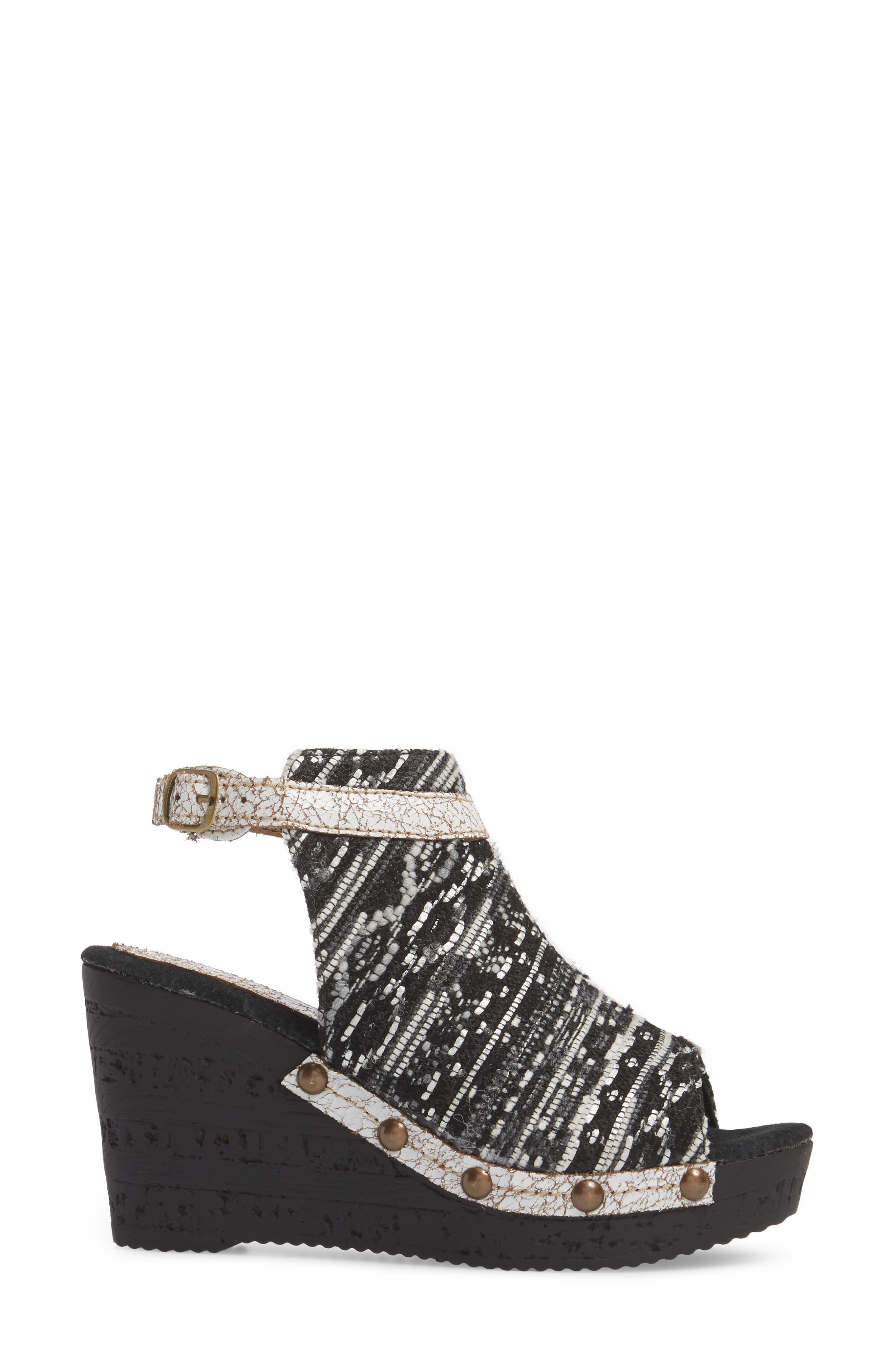 SBICCA,                             Sabari Peep Toe Wedge Sandal,                             Alternate thumbnail 3, color,                             001