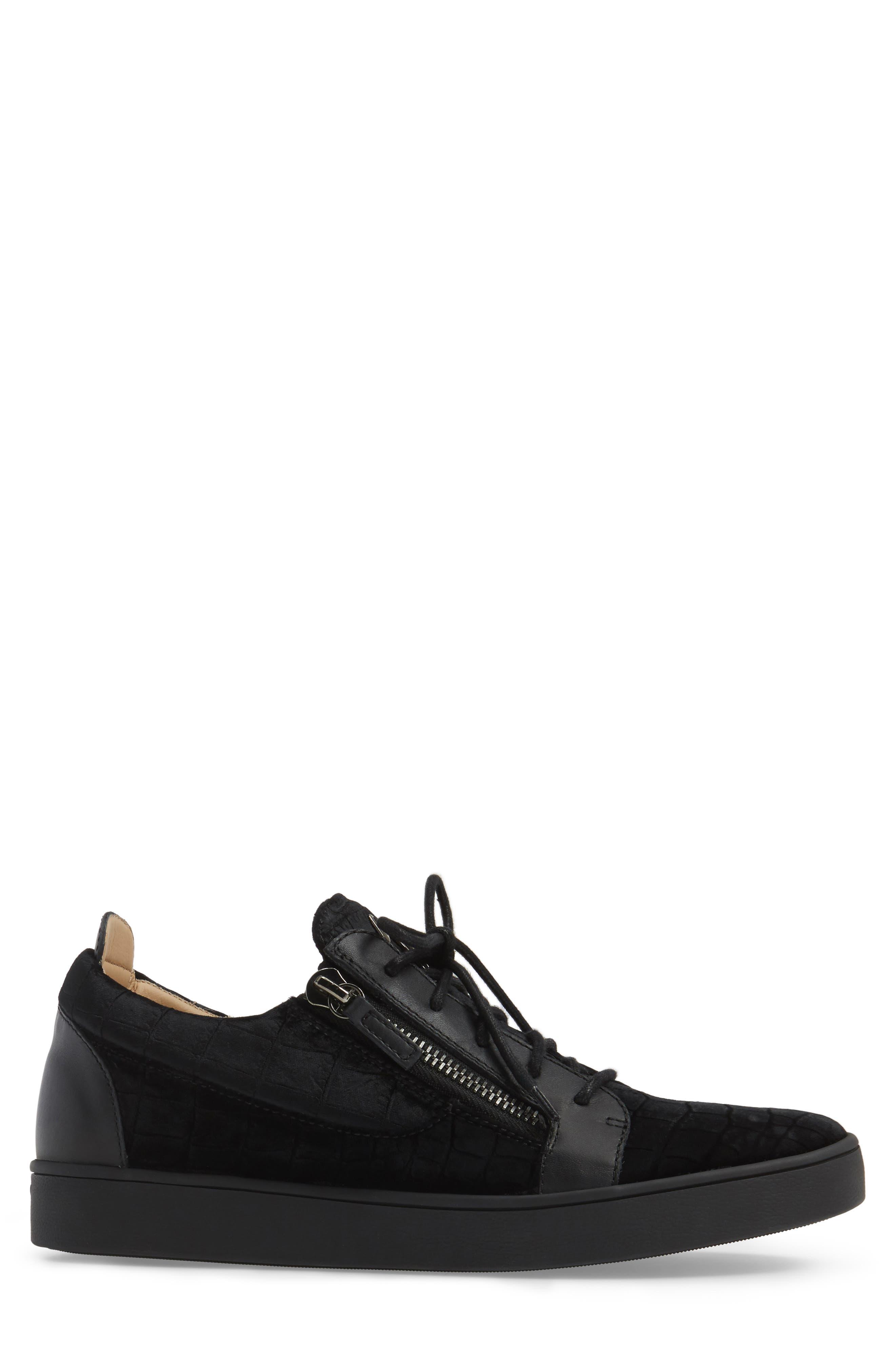Low Top Sneaker,                             Alternate thumbnail 3, color,                             001