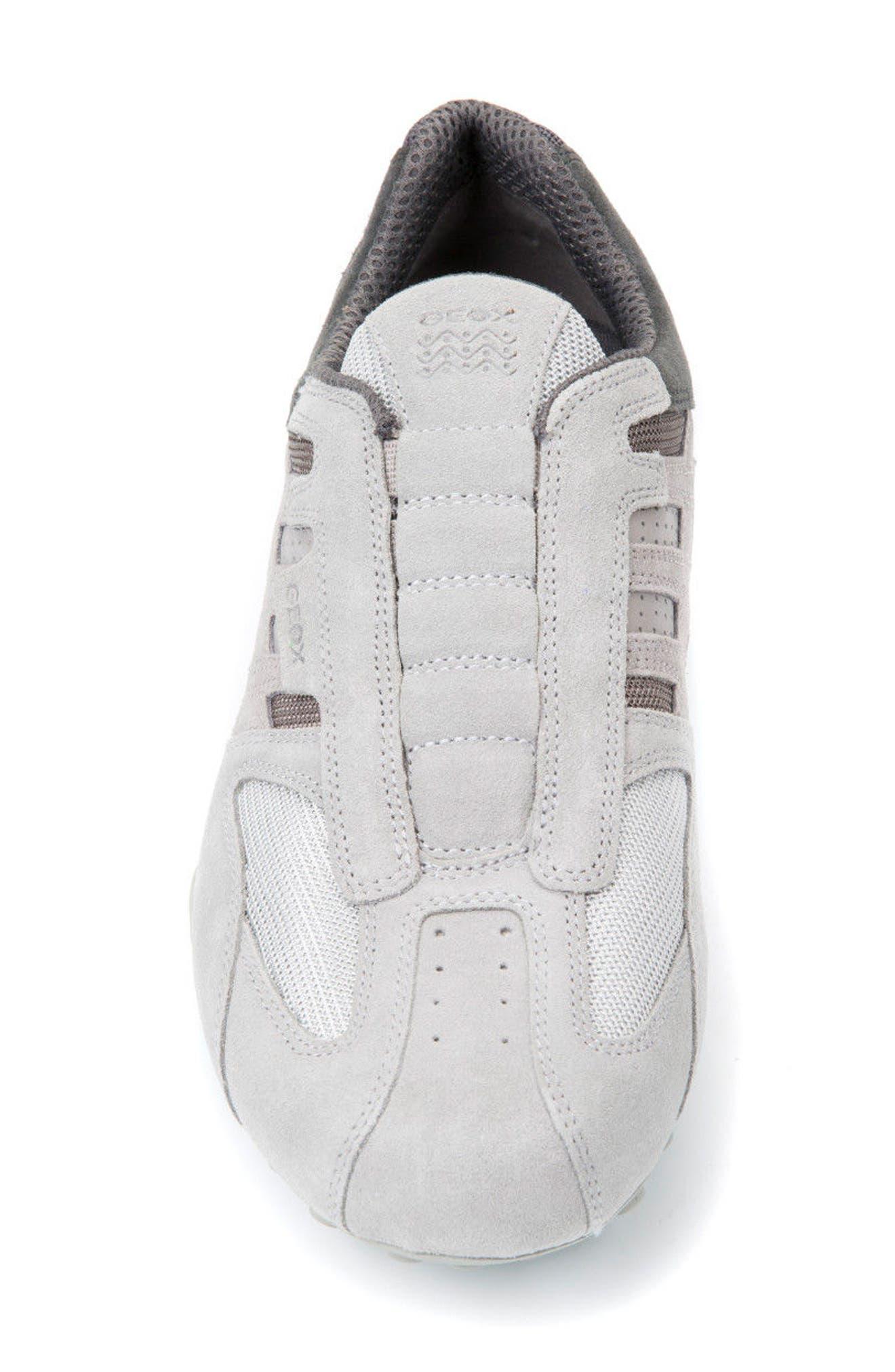 Snake 126 Laceless Low Top Sneaker,                             Alternate thumbnail 4, color,                             050