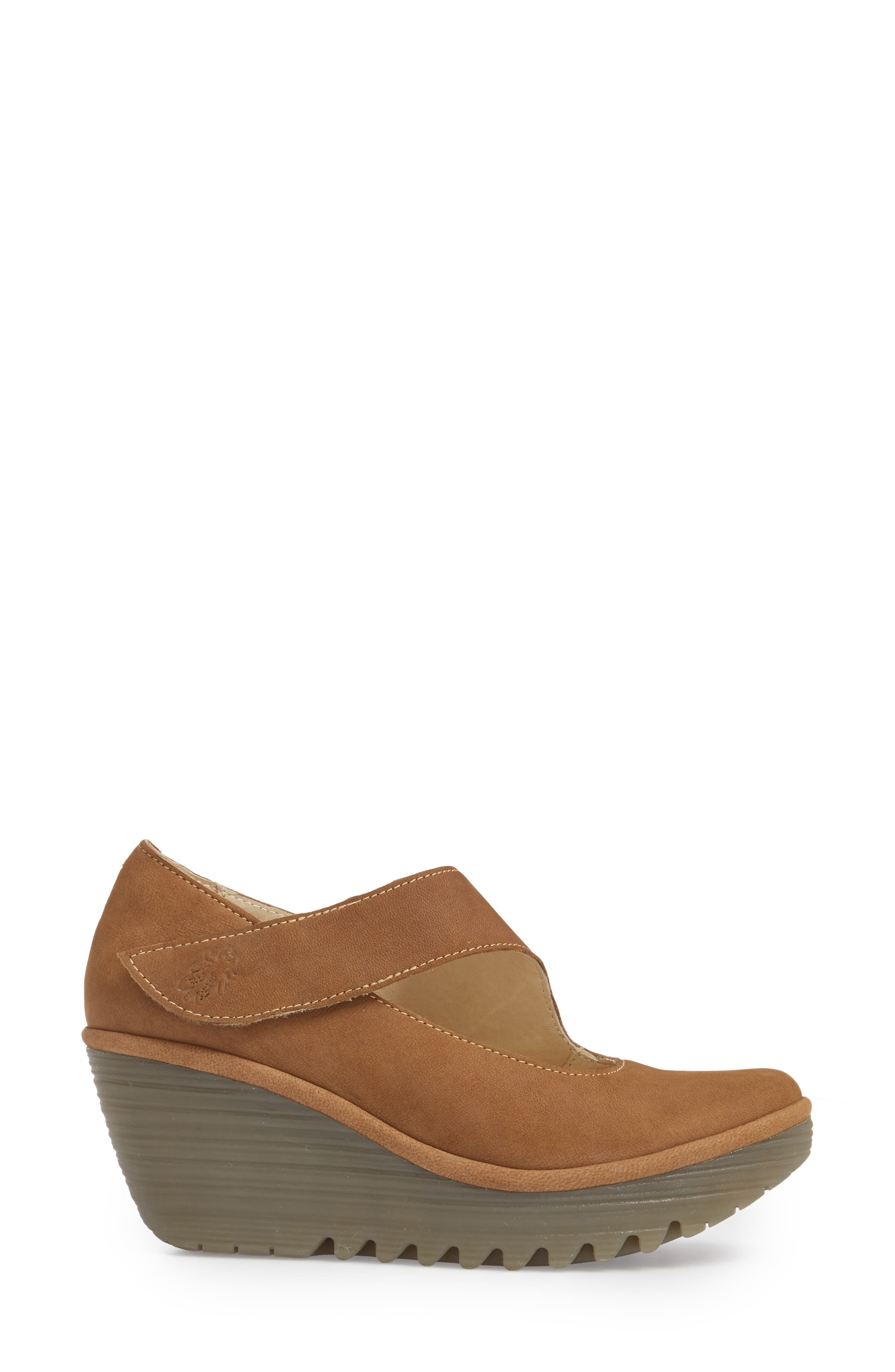 'Yasi' Wedge Pump,                             Alternate thumbnail 3, color,                             SAND CUPIDO LEATHER