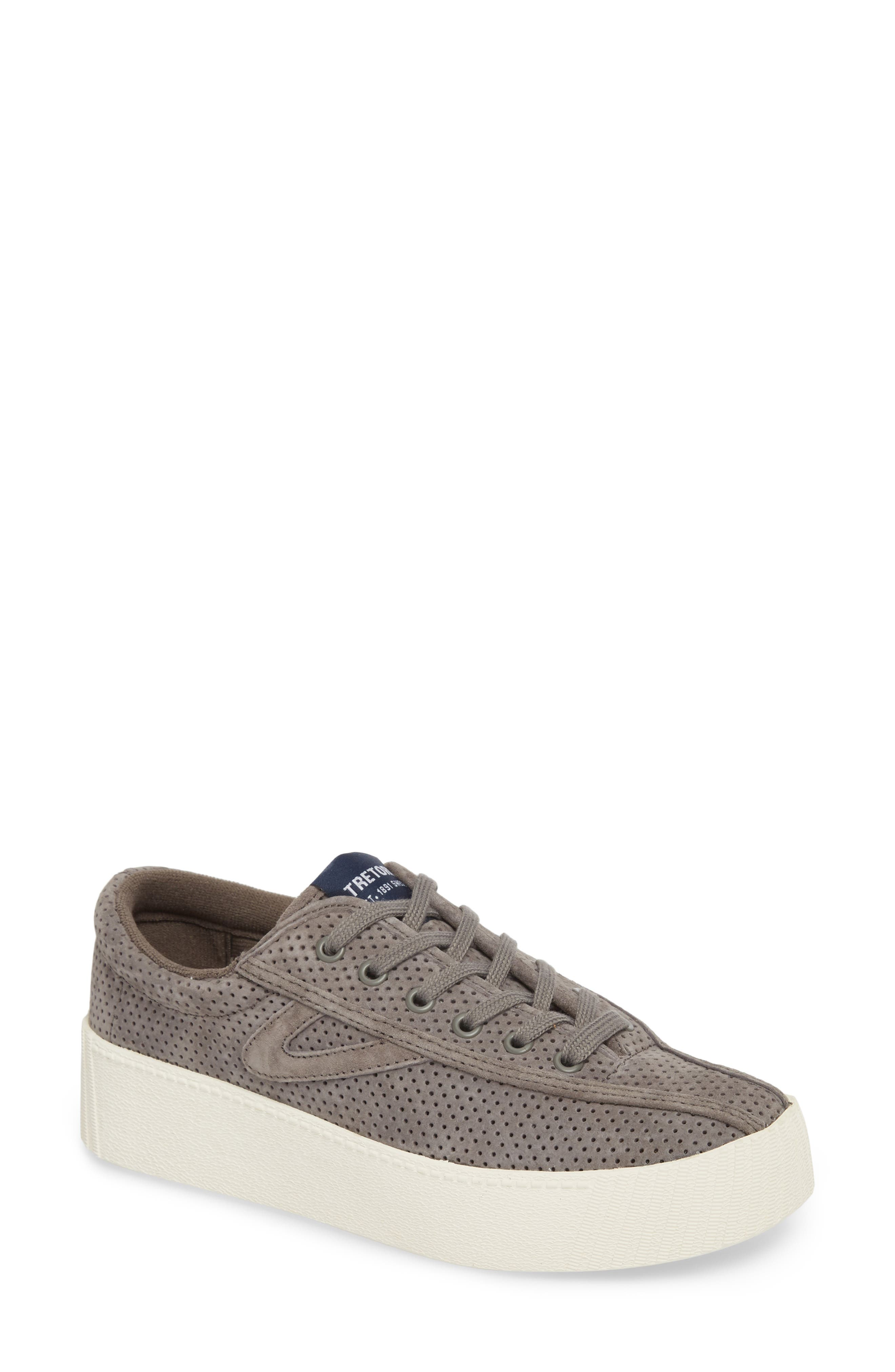 Women'S Nylite Bold Perforated Nubuck Leather Lace Up Platform Sneakers in Graphite/ Graphite