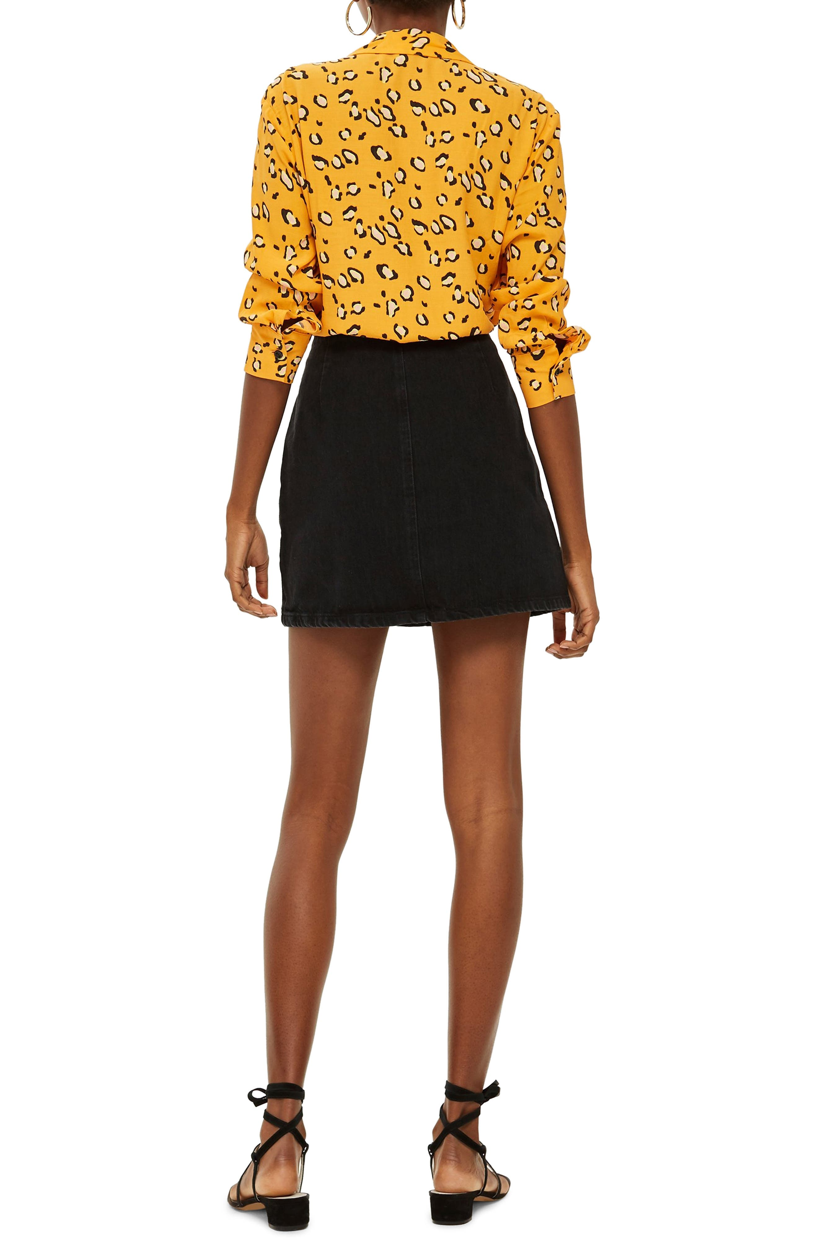 Horn Button Denim Miniskirt,                             Alternate thumbnail 2, color,                             WASHED BLACK
