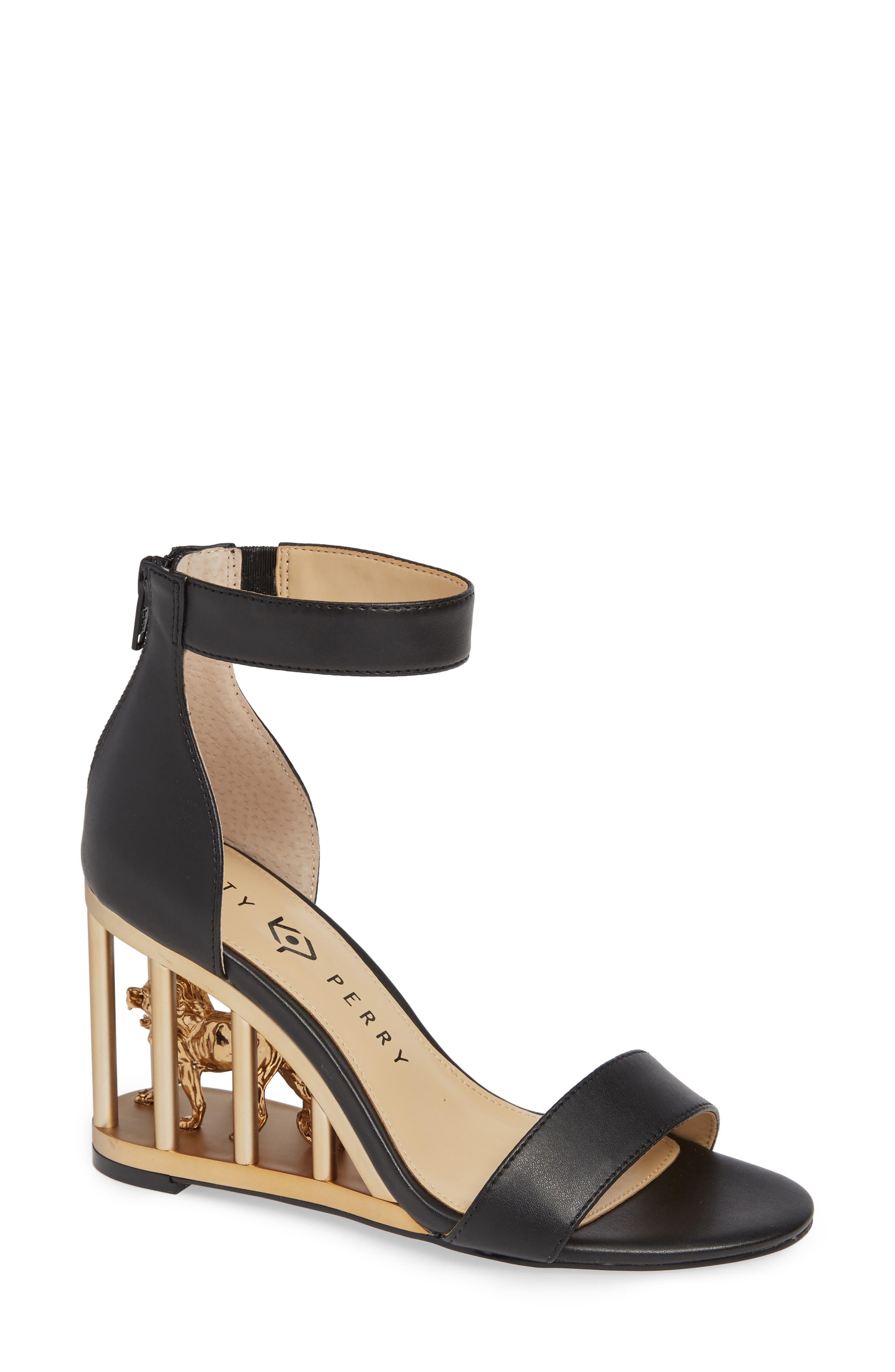 Wedge Sandal in Black
