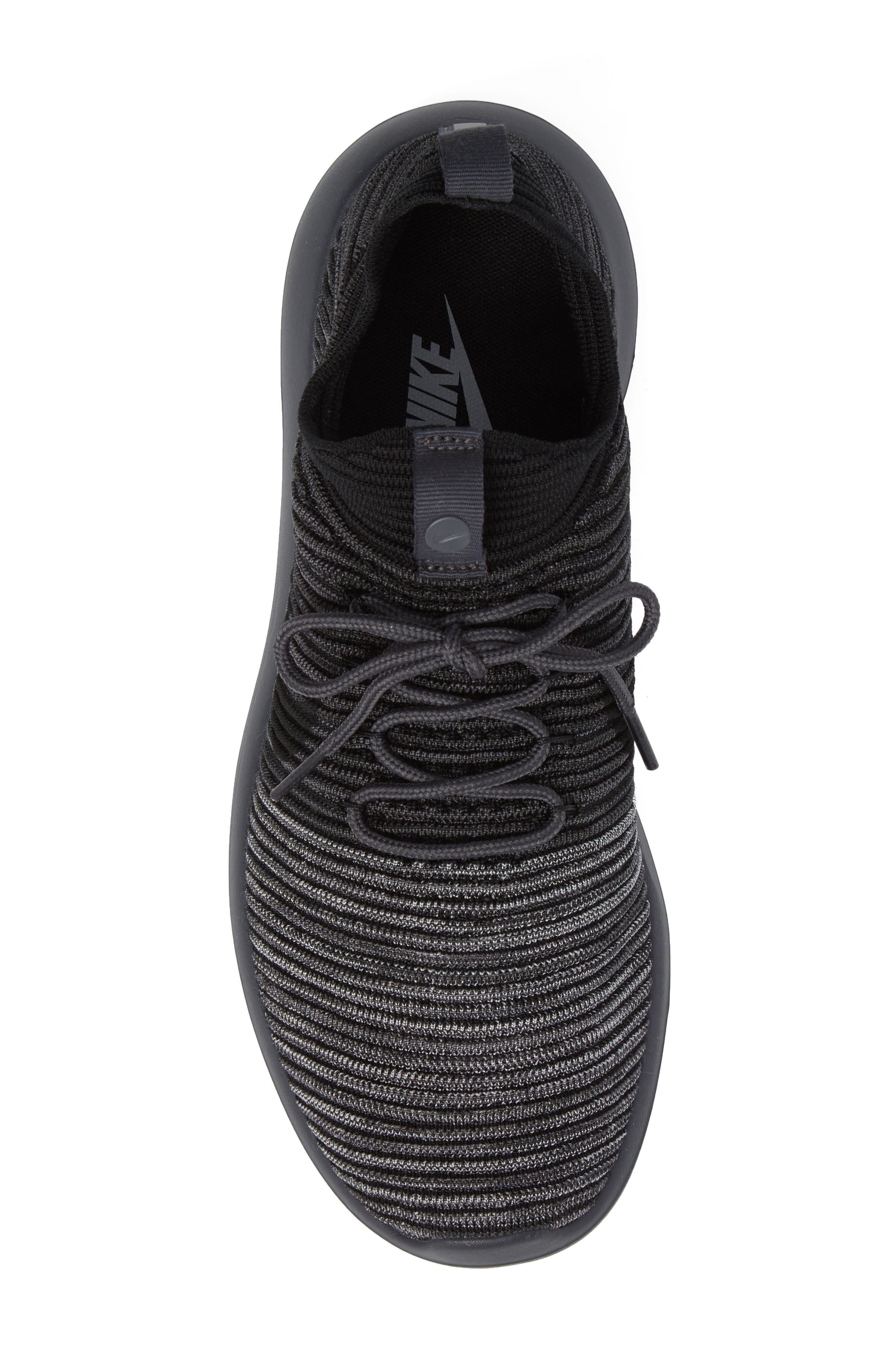 Roshe Two Flyknit V2 Sneaker,                             Alternate thumbnail 5, color,                             004