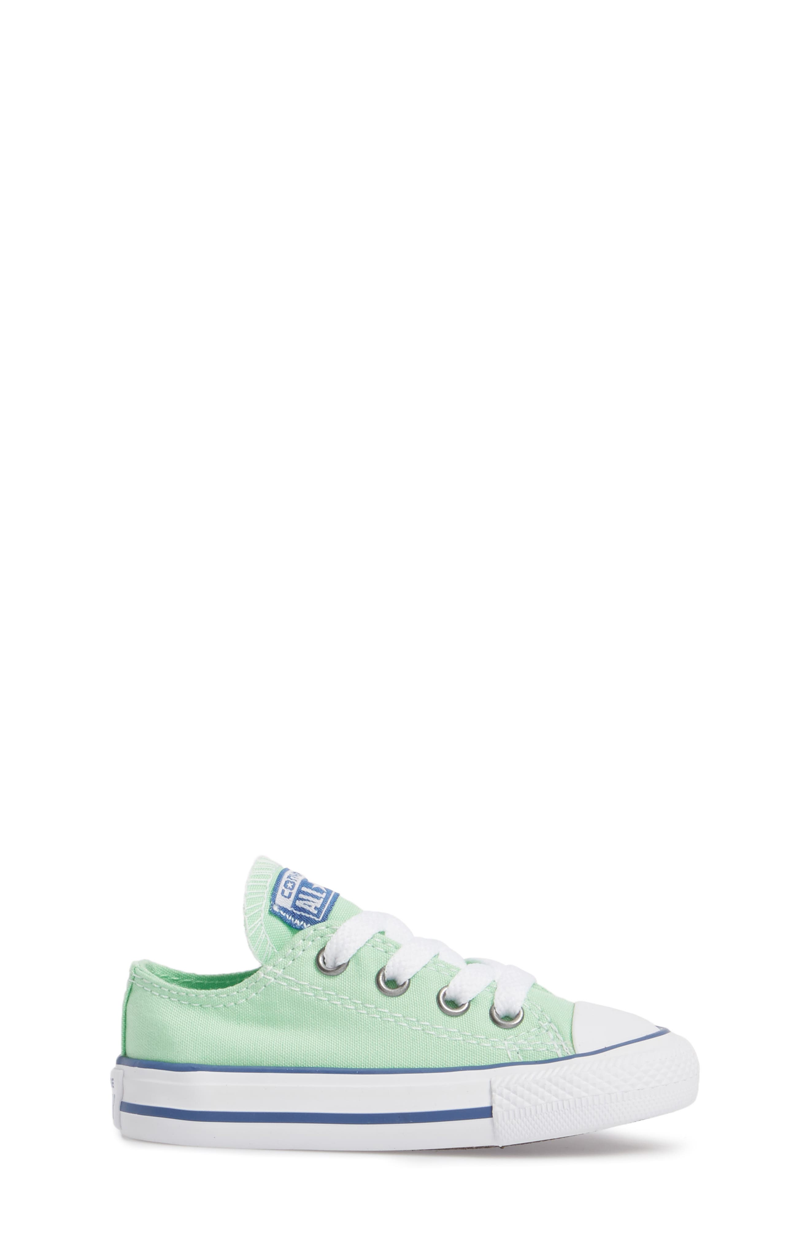 Chuck Taylor<sup>®</sup> All Star<sup>®</sup> 'Ox' Low Top Sneaker,                             Alternate thumbnail 16, color,
