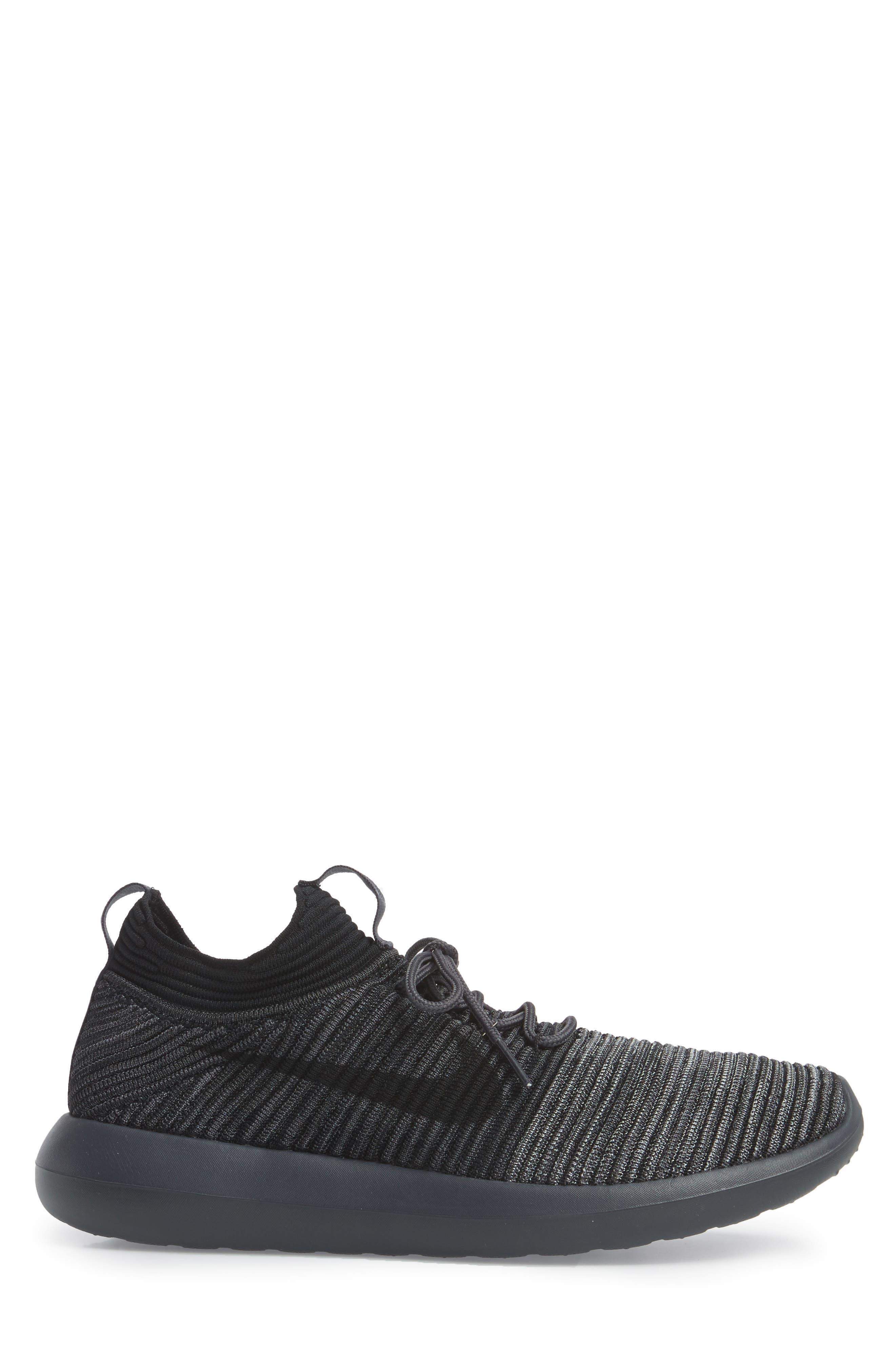 Roshe Two Flyknit V2 Sneaker,                             Alternate thumbnail 3, color,                             004