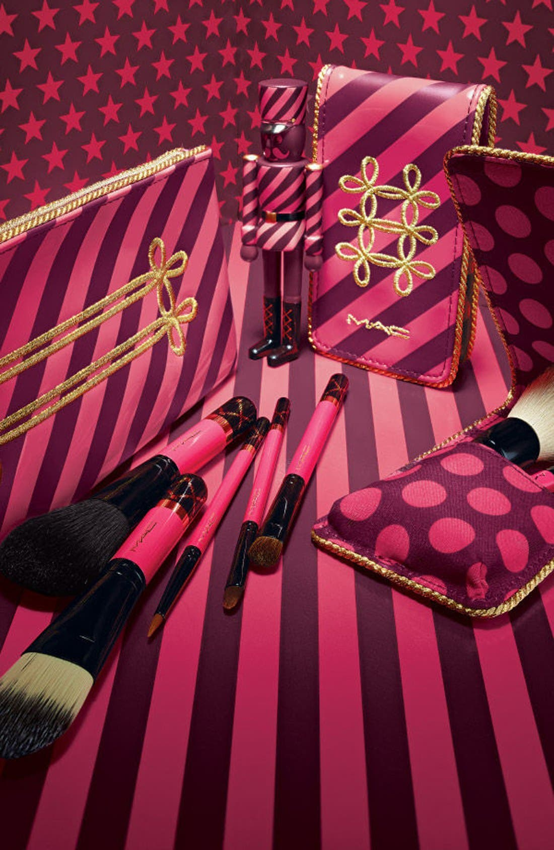 MAC Nutcracker Sweet Mini Essential Brush Kit,                             Alternate thumbnail 3, color,                             000