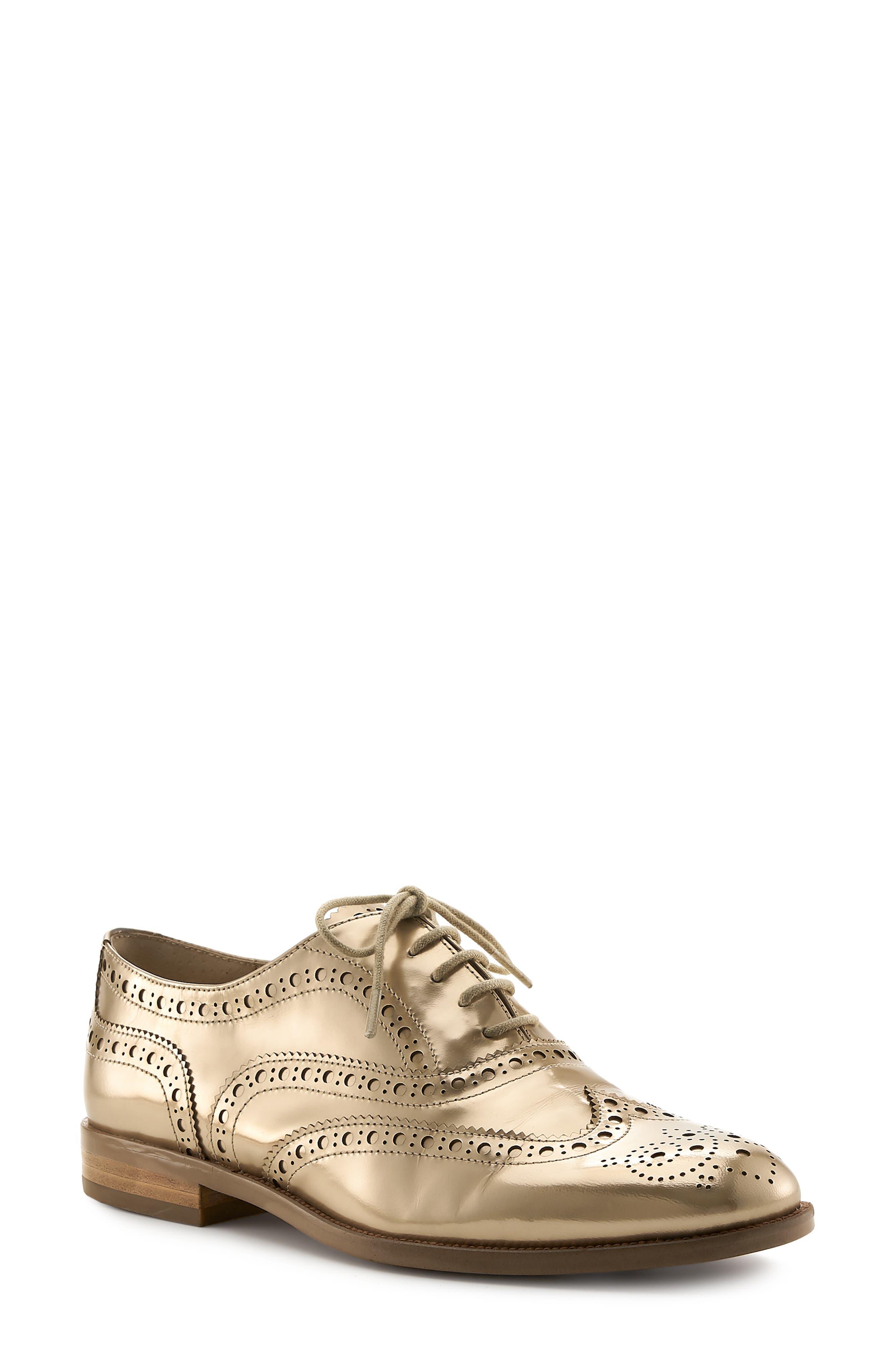 Women'S Callista Metallic Wingtip Oxford Loafers in Gold Metallic