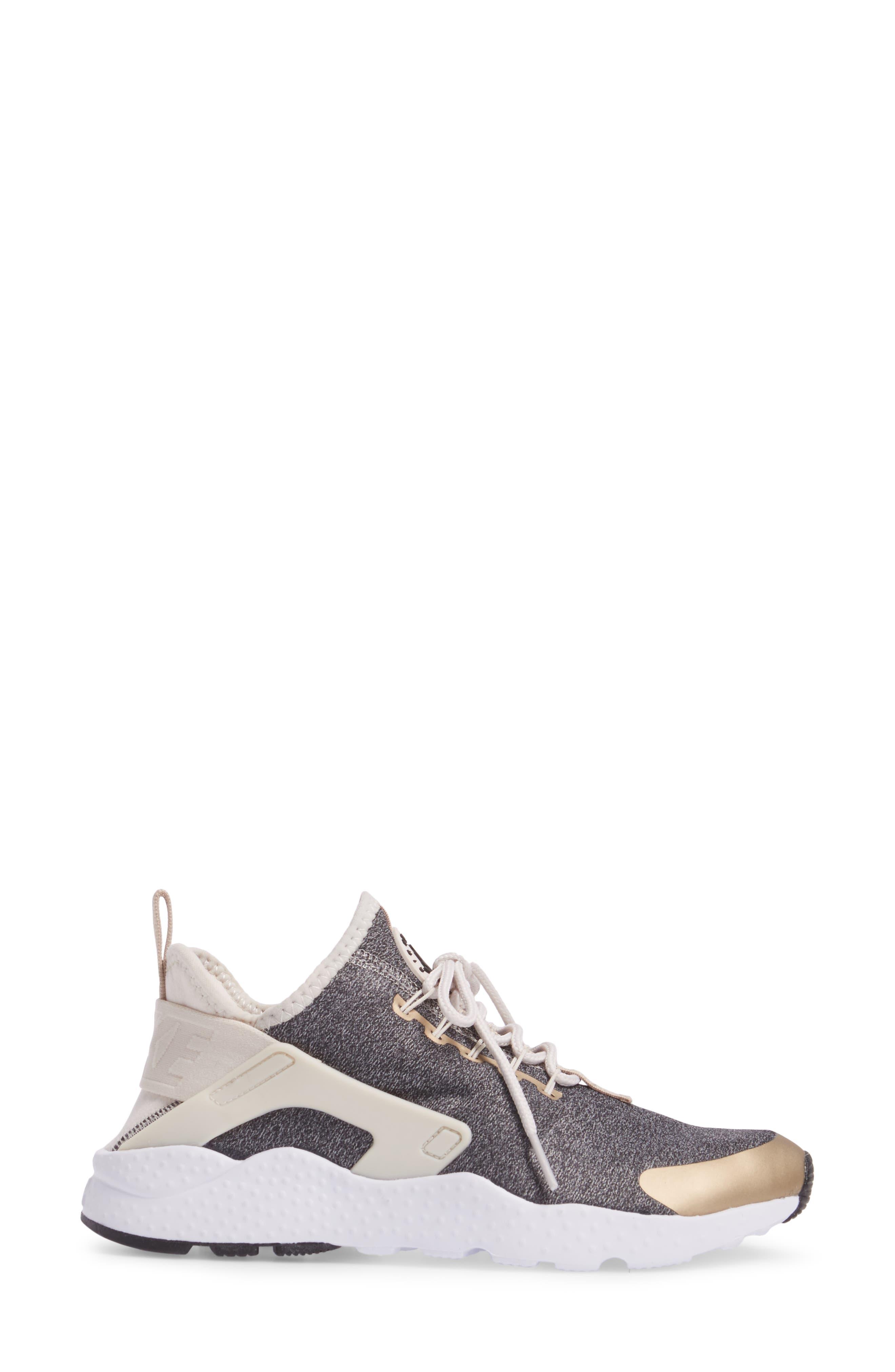 NIKE,                             'Air Huarache Run Ultra SE' Sneaker,                             Alternate thumbnail 3, color,                             285