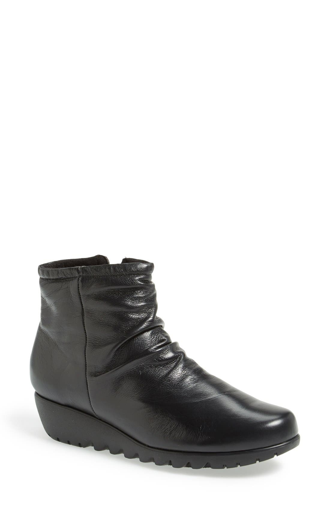 'Riley' Ankle Boot, Main, color, 001