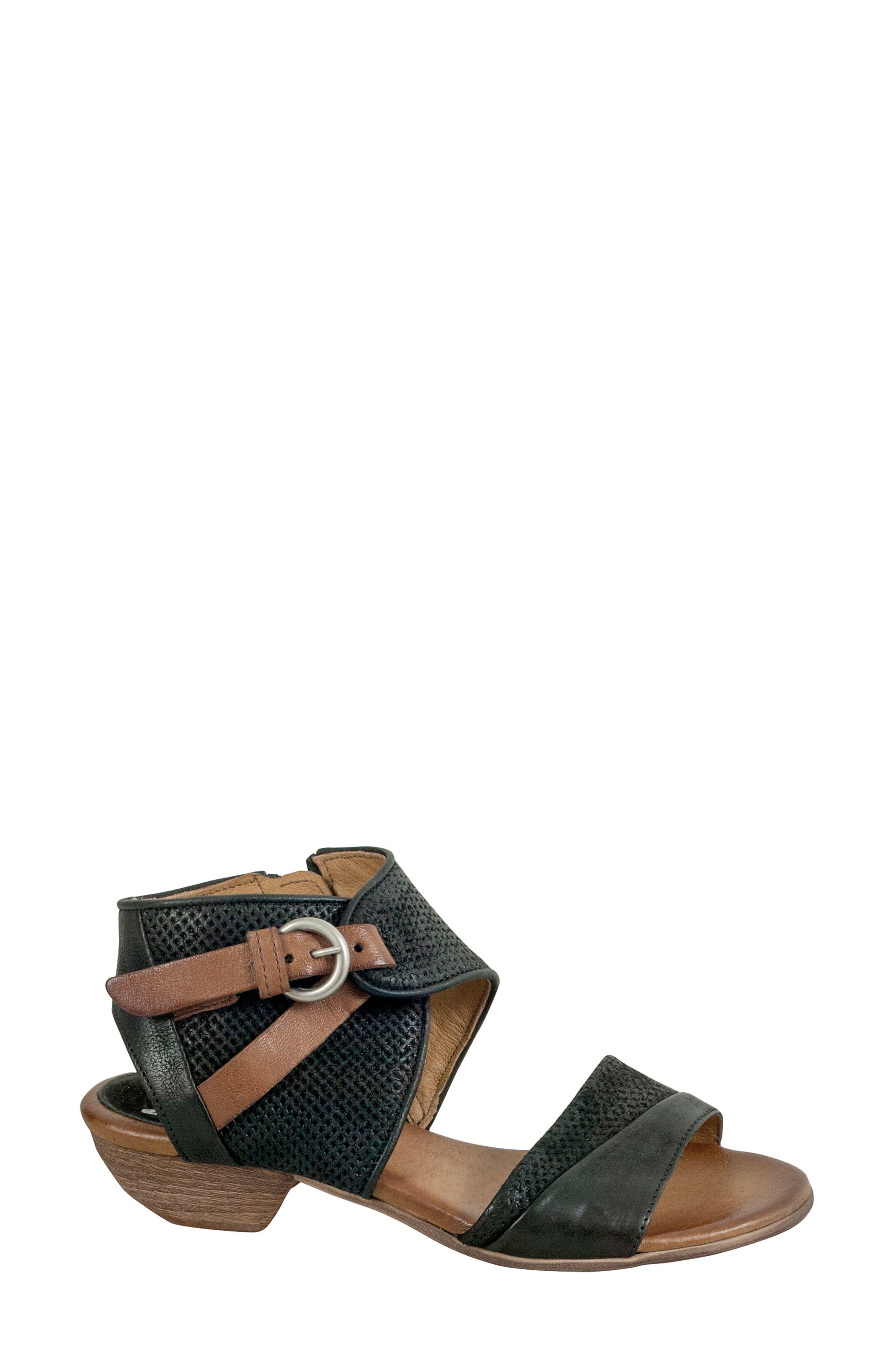 Chatham Textured Sandal,                             Alternate thumbnail 3, color,                             001