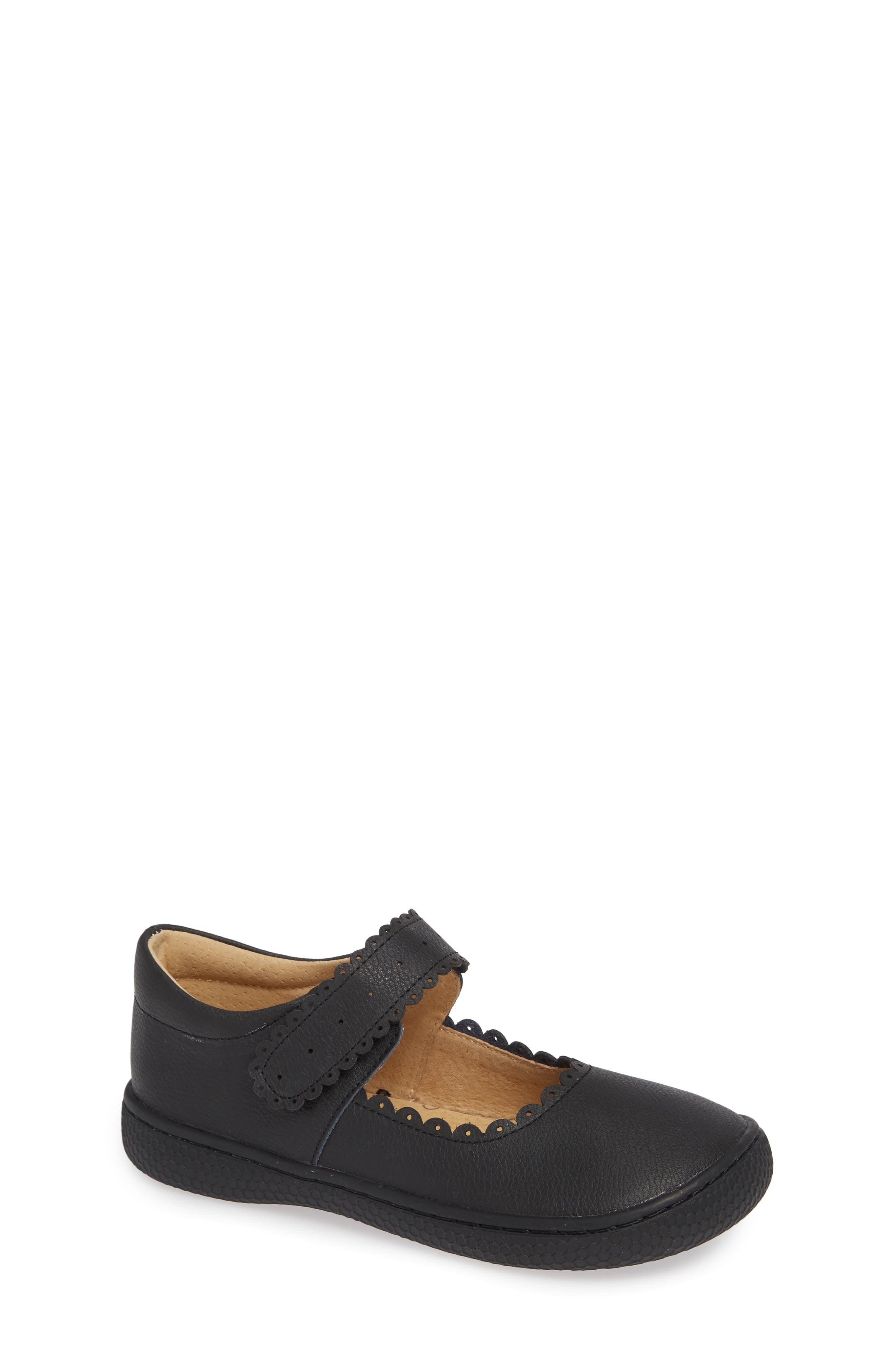 Briar Scalloped Mary Jane,                         Main,                         color, BLACK