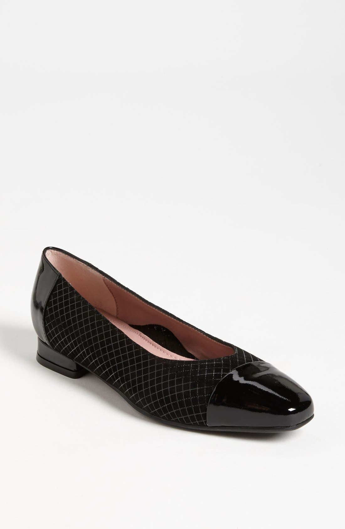 'Karen' Flat, Main, color, 001