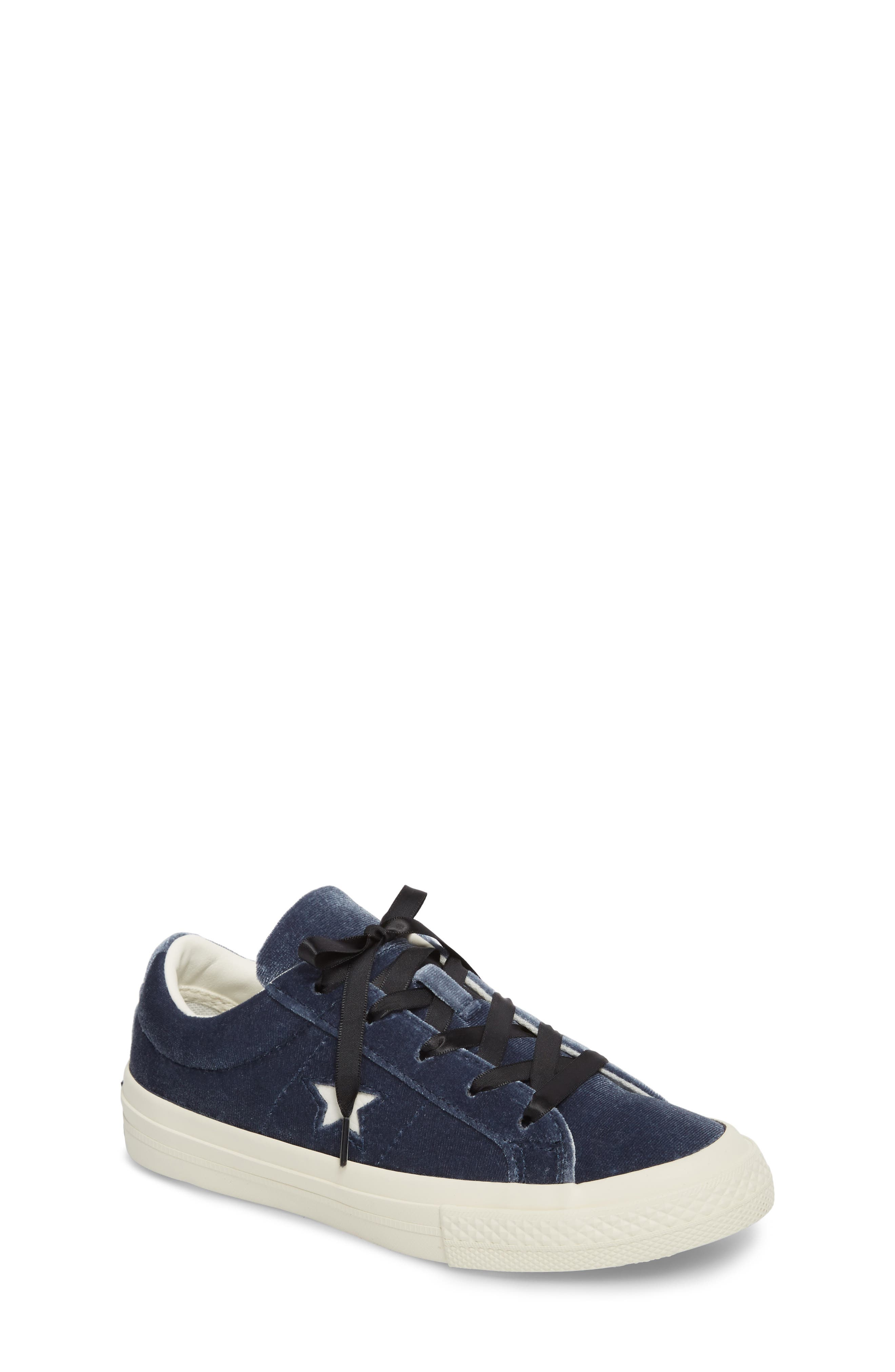 Chuck Taylor<sup>®</sup> All Star<sup>®</sup> One Star Velvet Platform Sneaker,                             Main thumbnail 2, color,