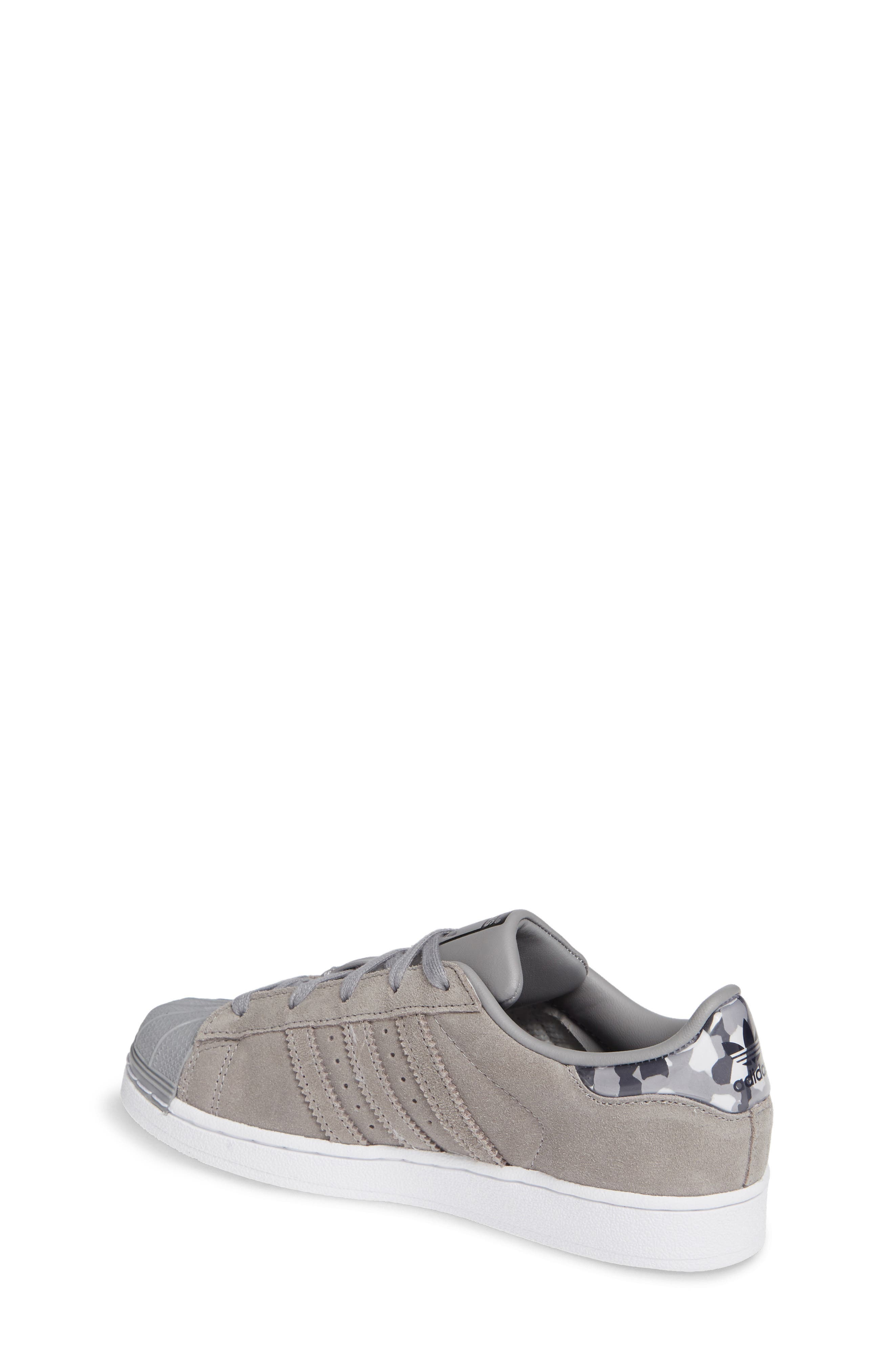 Superstar Low Top Sneaker,                             Alternate thumbnail 2, color,                             020
