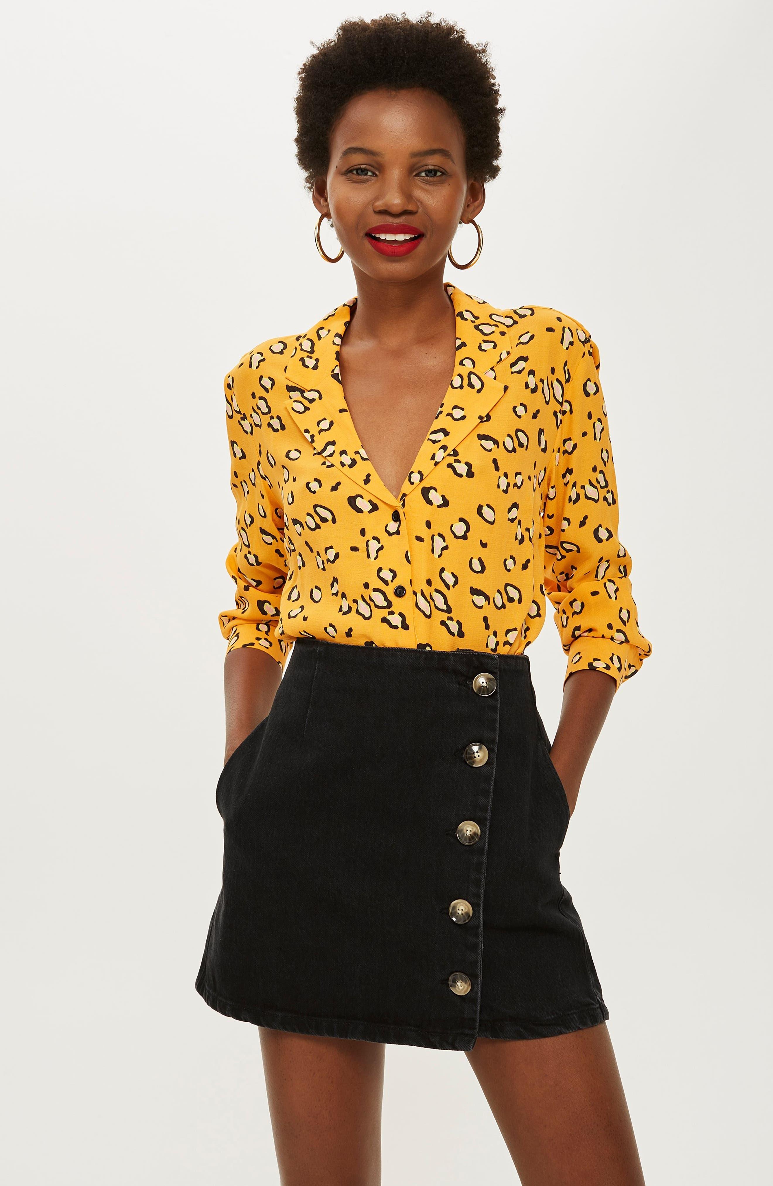 Horn Button Denim Miniskirt,                             Alternate thumbnail 4, color,                             WASHED BLACK