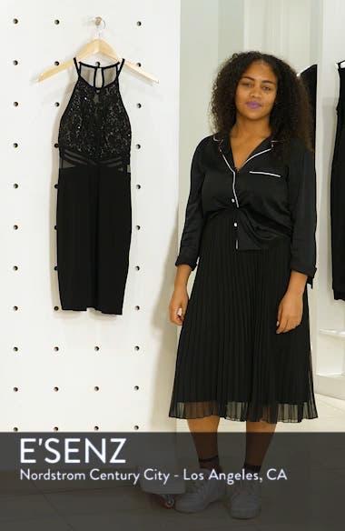 Scallop Lace Bodice Body-Con Dress, sales video thumbnail