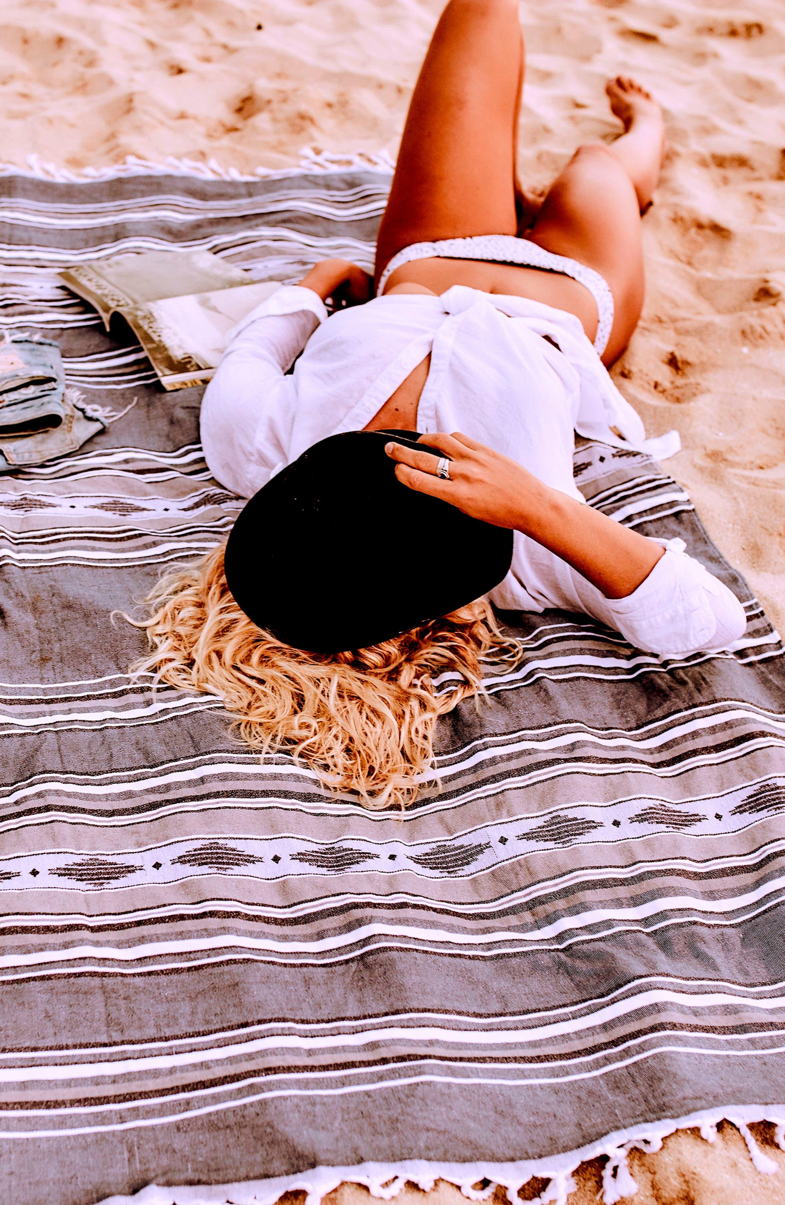 Fringe Beach Blanket,                             Alternate thumbnail 5, color,                             400
