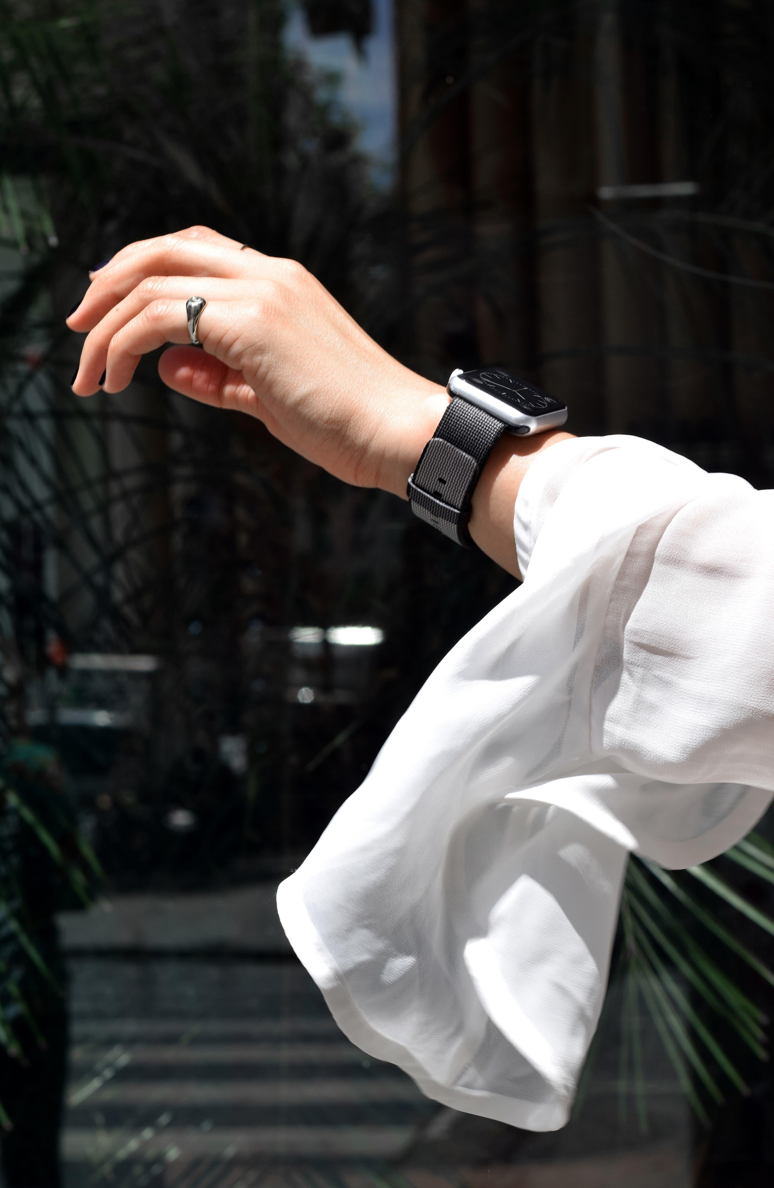 CASETIFY,                             Nylon Apple Watch Strap,                             Alternate thumbnail 4, color,                             020