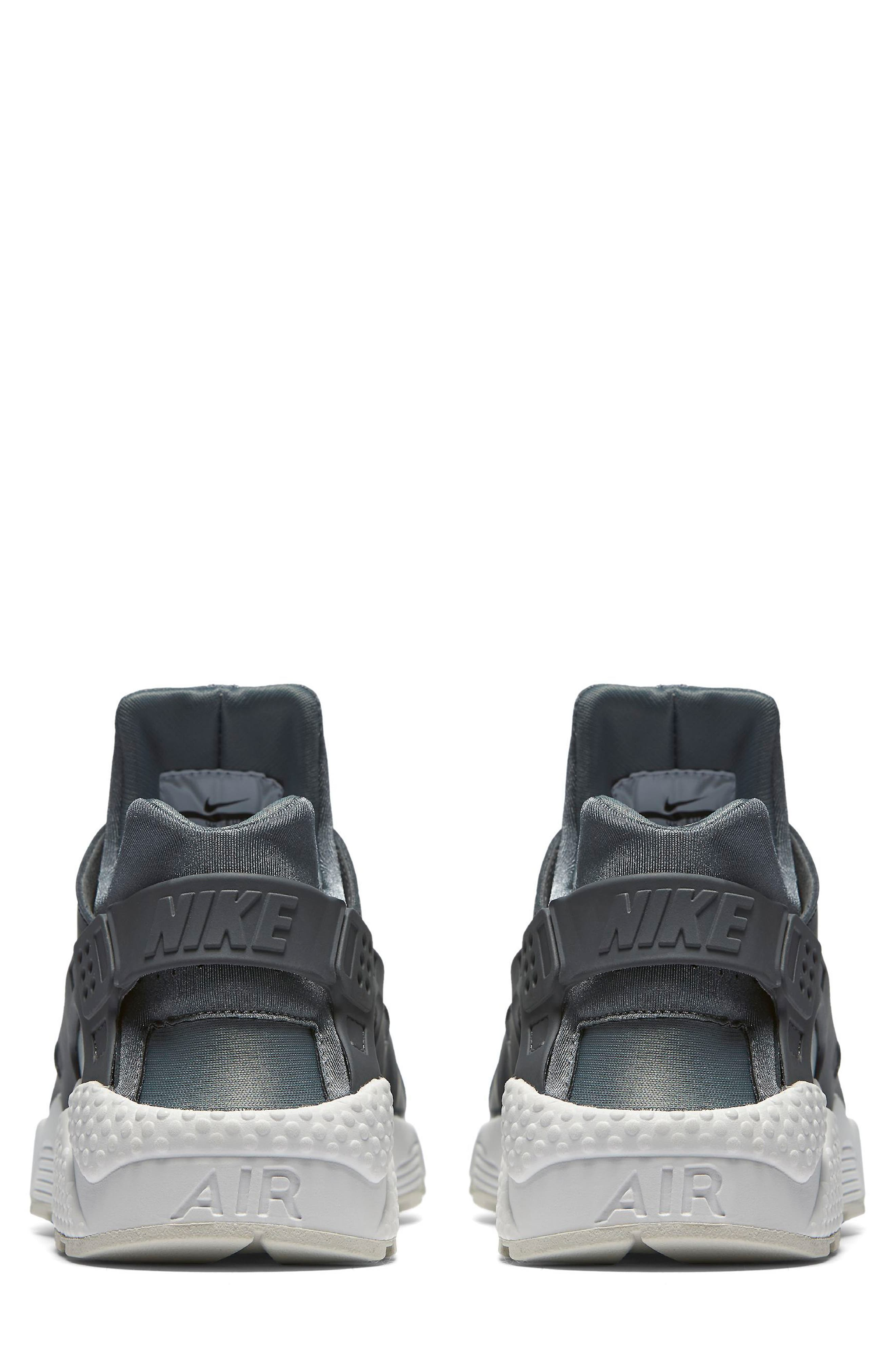 Air Huarache Run Premium Sneaker,                             Alternate thumbnail 2, color,                             020