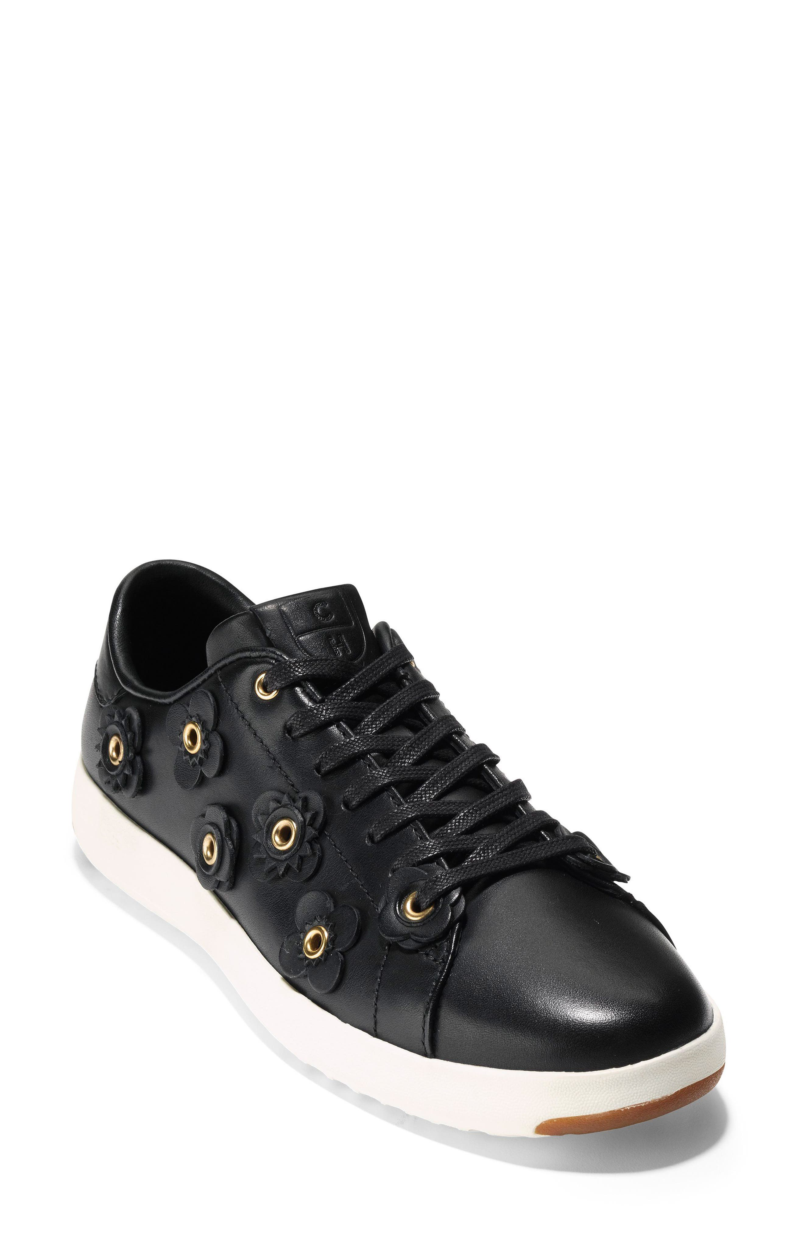 Women'S Grandsport Leather Lace Up Sneakers in Black Leather