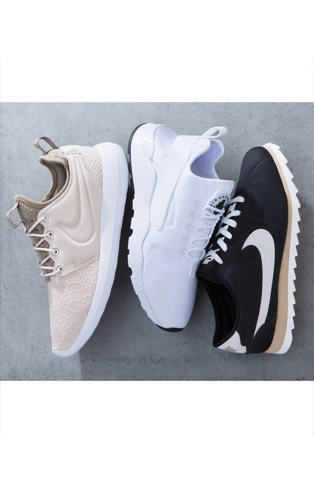 Roshe Two SE Sneaker,                             Alternate thumbnail 5, color,                             001